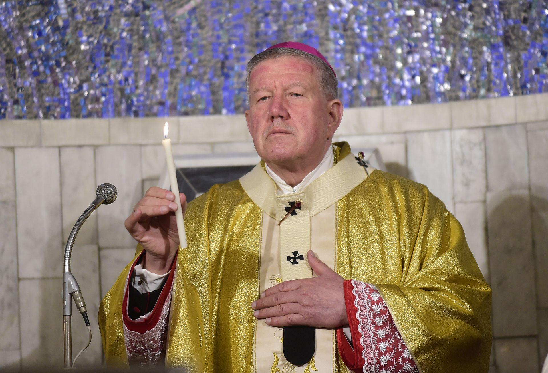 Hočevar: Papa spreman doći u Srbiju, za posjet neophodan integralni dijalog