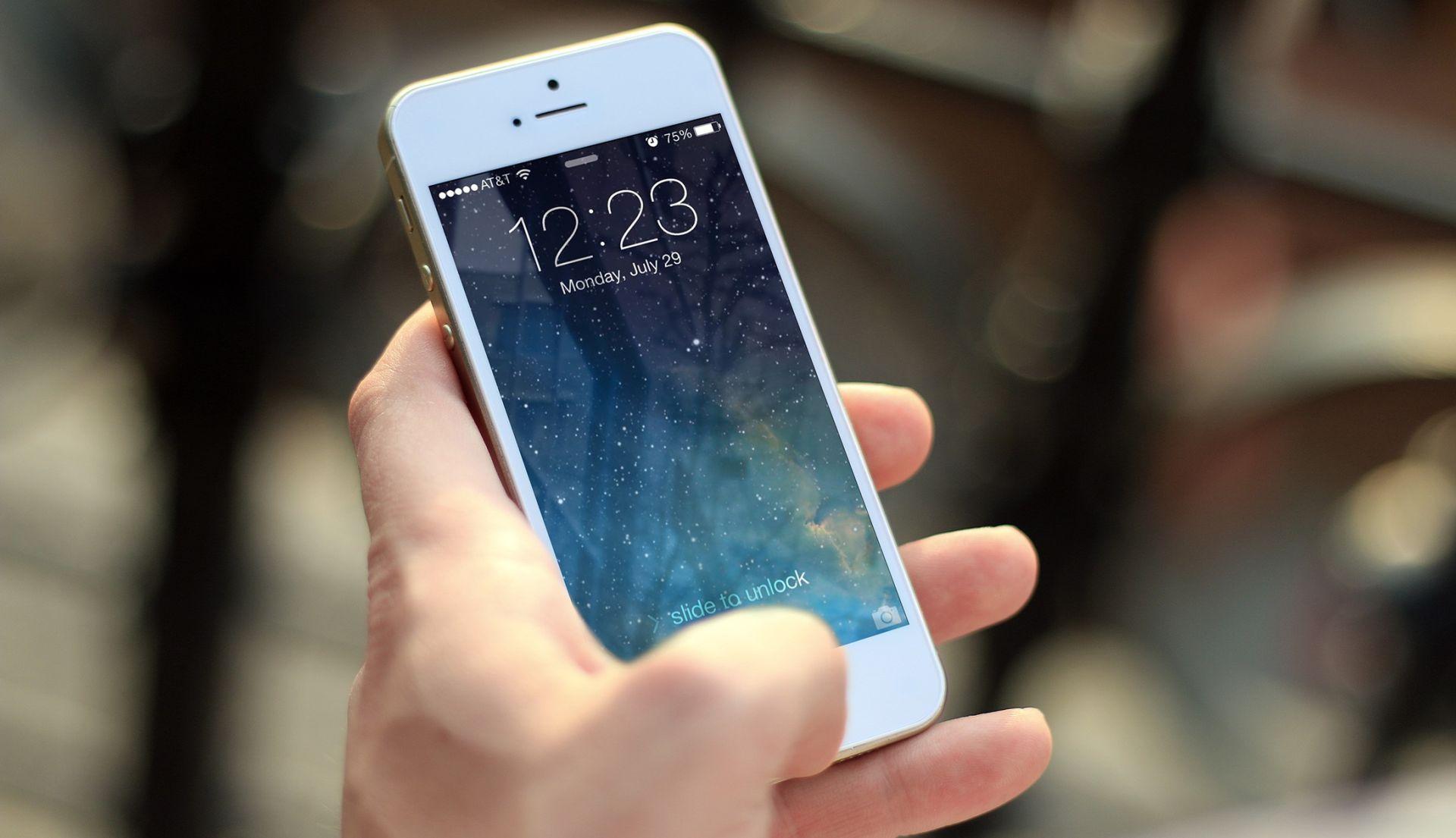 PONUDILI POMOĆ U ISTRAZI UBOJSTVA: FBI otključava još jedan iPhone