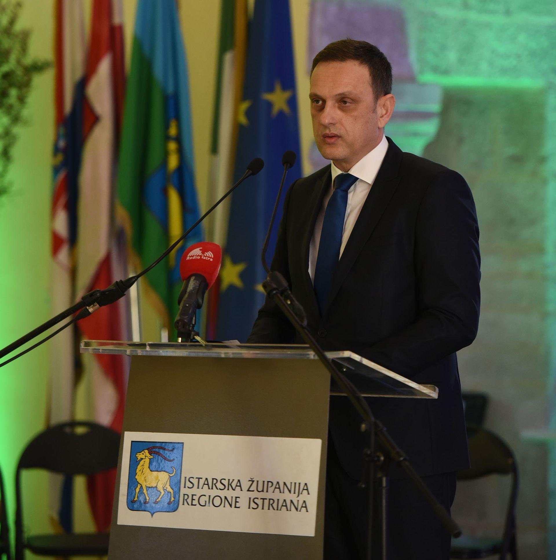 Ministar Kliman: Žica više kazuje o onome tko je stavlja nego o nama