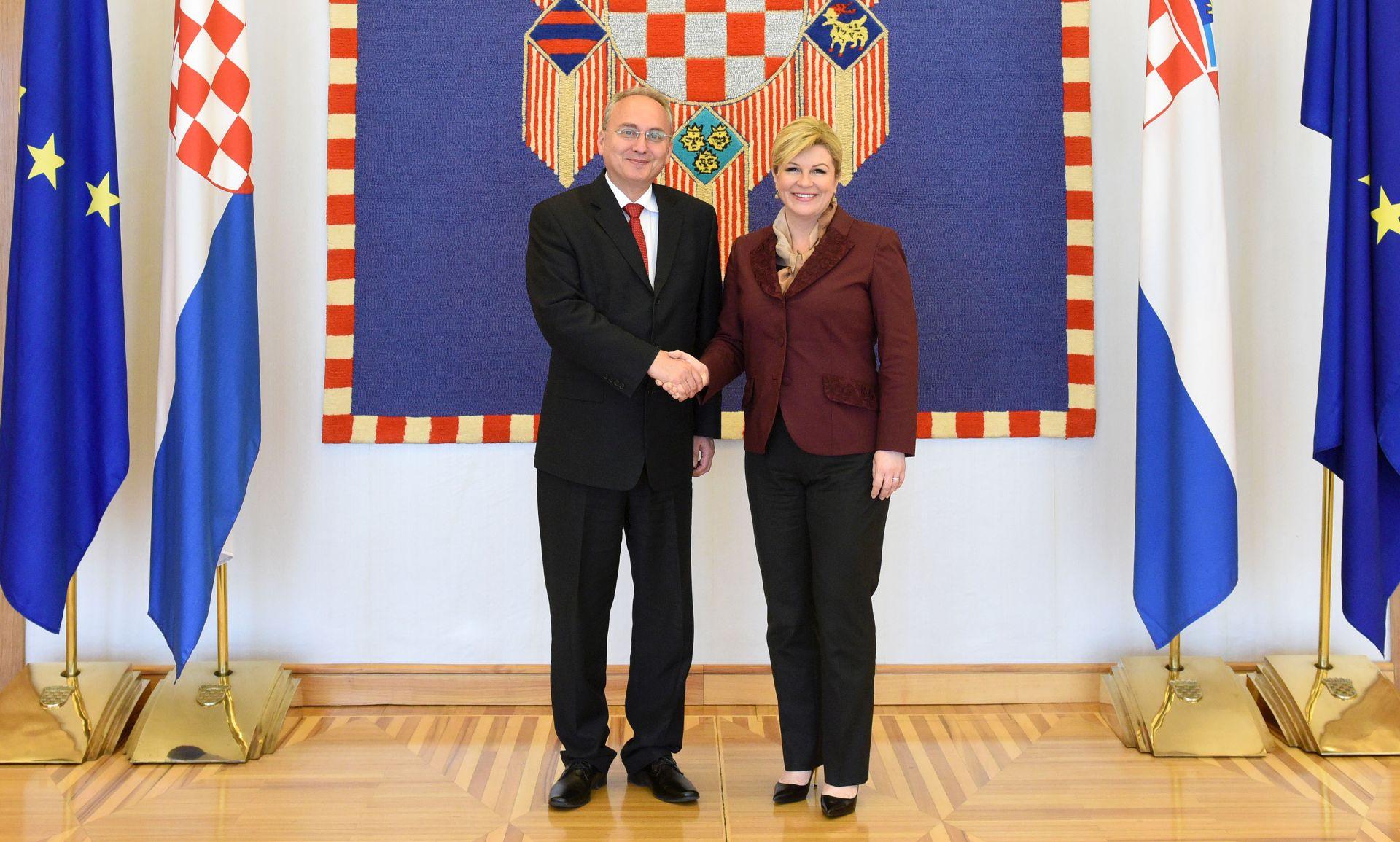 O SUMMIT-u NATO-a: Predsjednica Grabar Kitarović primila makedonskog ministra obrane