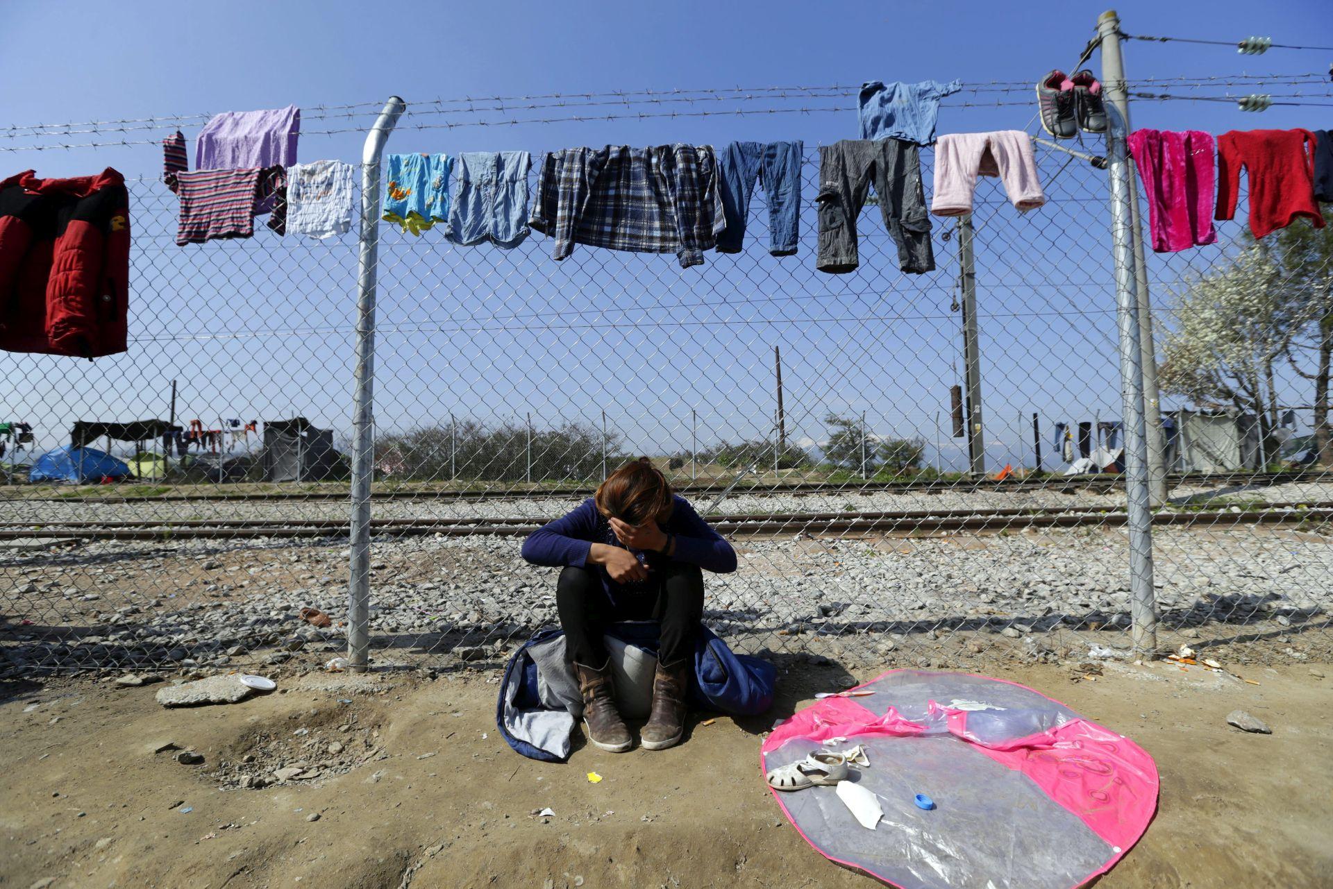 PRIJAVA GRAĐANA: Nizozemac uhvaćen s pet migranata iz Sirije i Afganistana