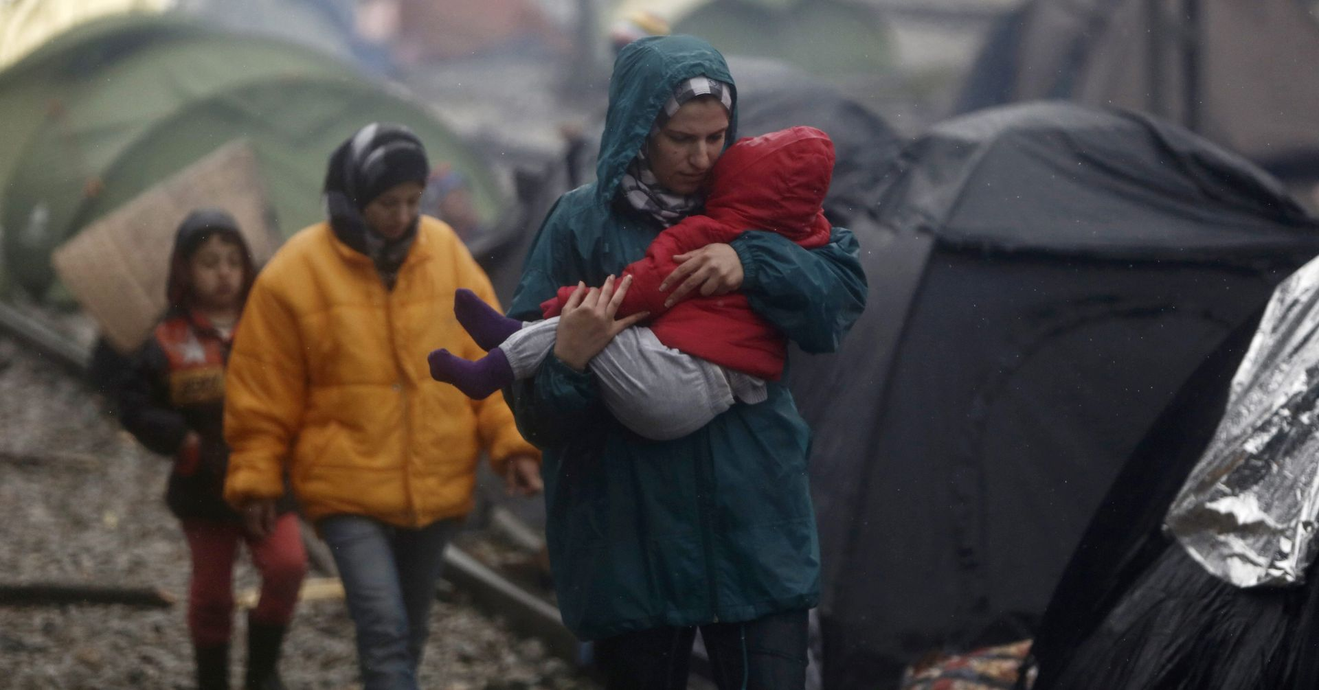 PLAN EU-Turska: Grčka premješta migrante u čvrste objekte