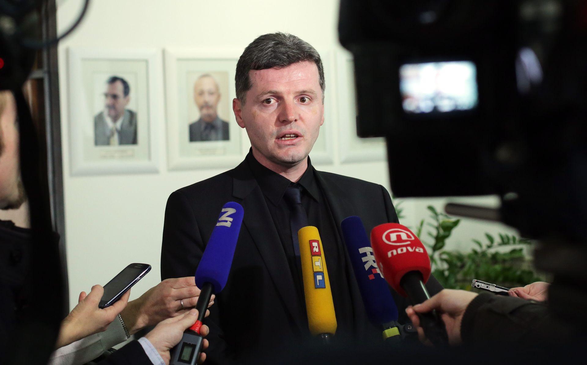 POTVRĐENE IZMJENE: Ministarstvo zdravlja o ogranjičavanju C1 uputnica