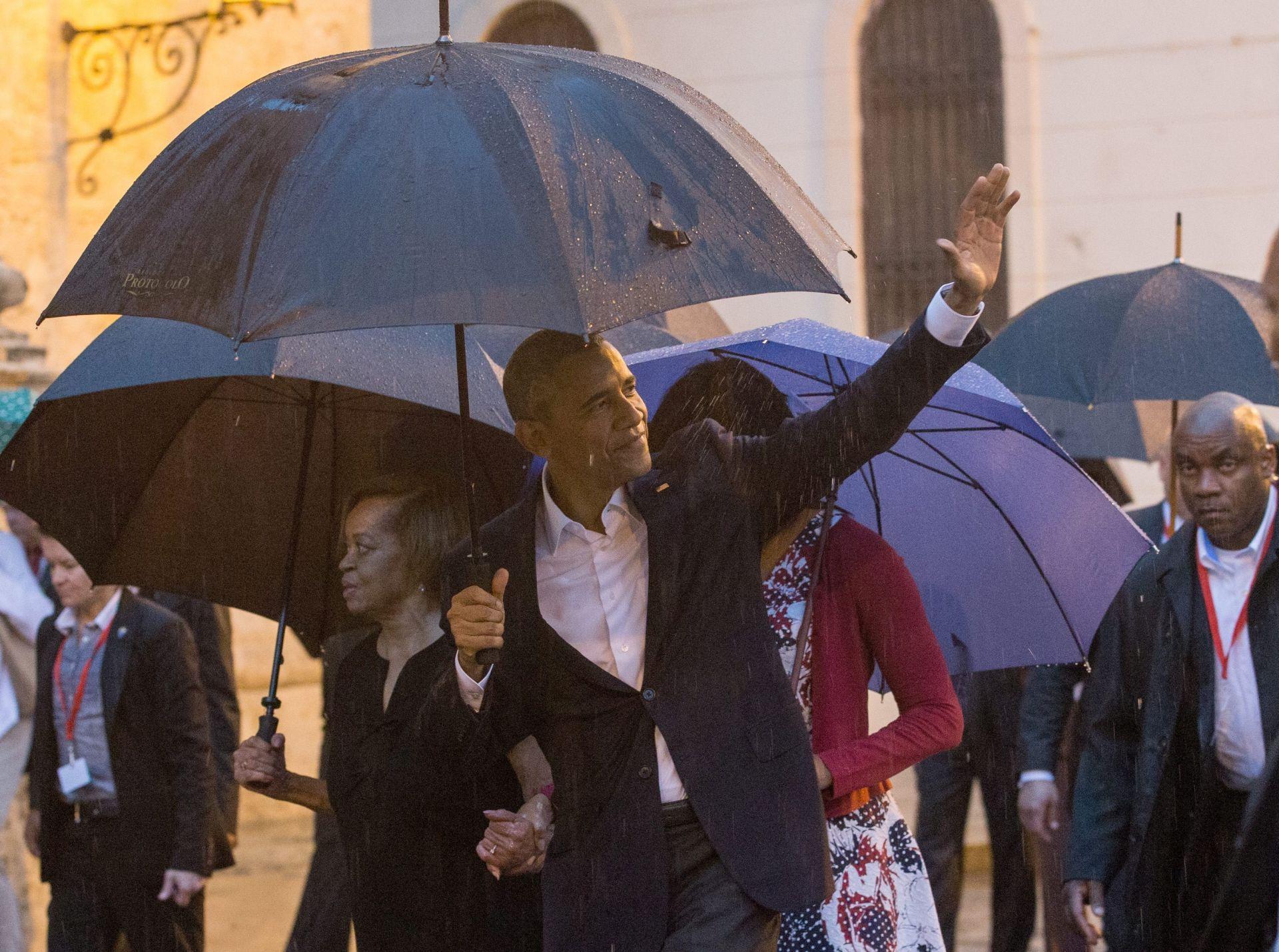 Obama obišao staru Havanu, Kubanci ga toplo pozdravljali