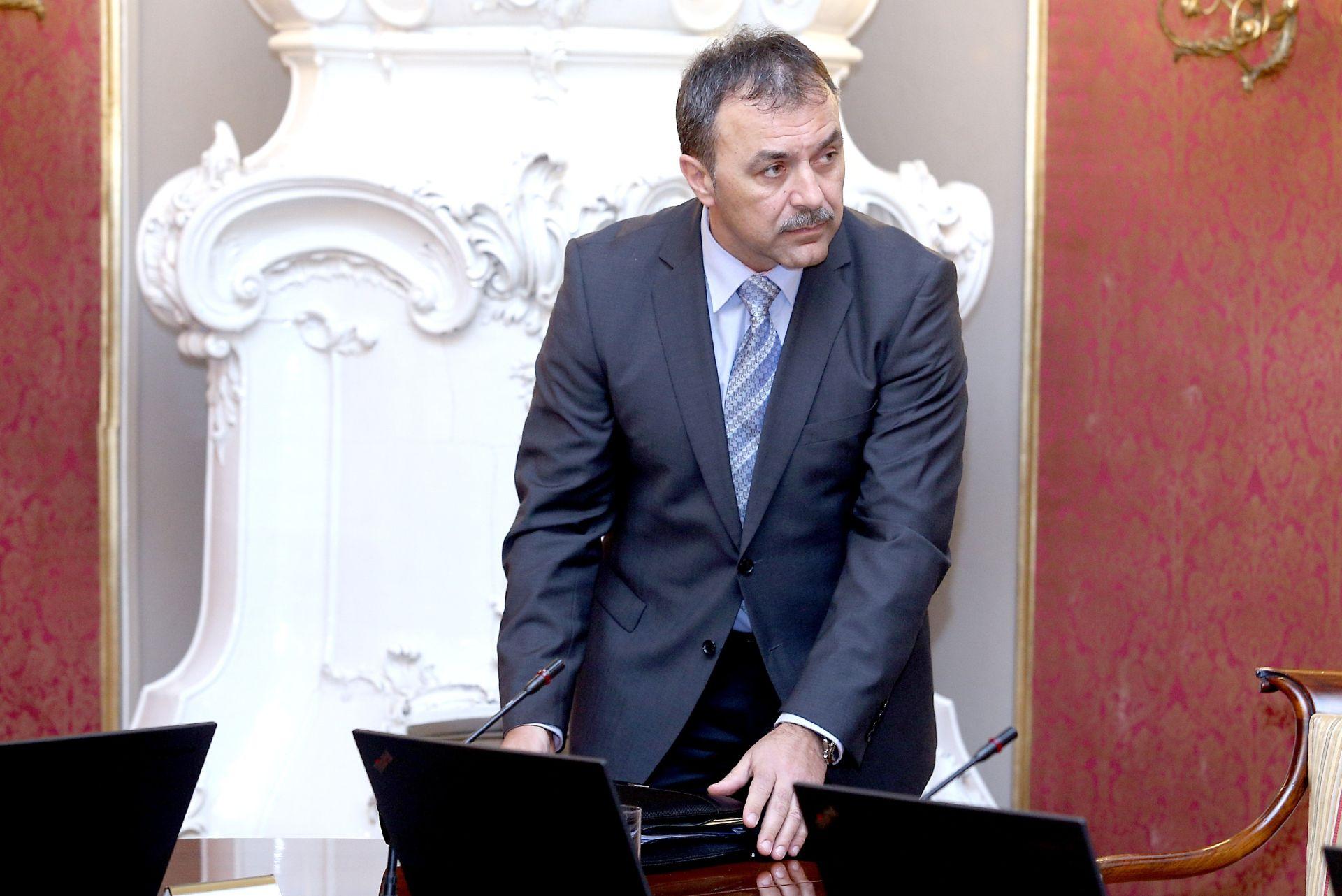 OD SMJENA U MUP-U ZA SADA NIŠTA: Ministar Orepić ne popušta Tomislavu Karamarku, ima podršku Petrova