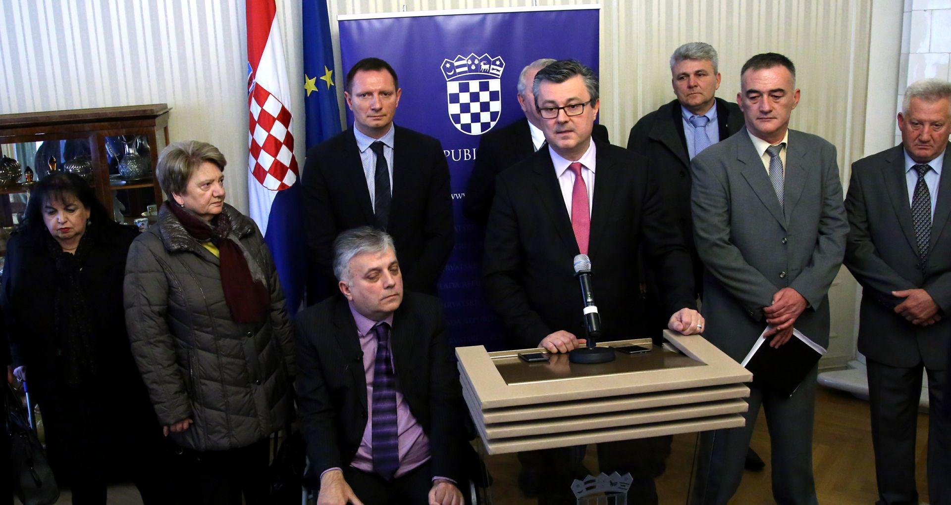 TRAŽI SE NOVI MINISTAR: Orešković od izaslanstva braniteljskih udruga želio čuti o njihovim problemima