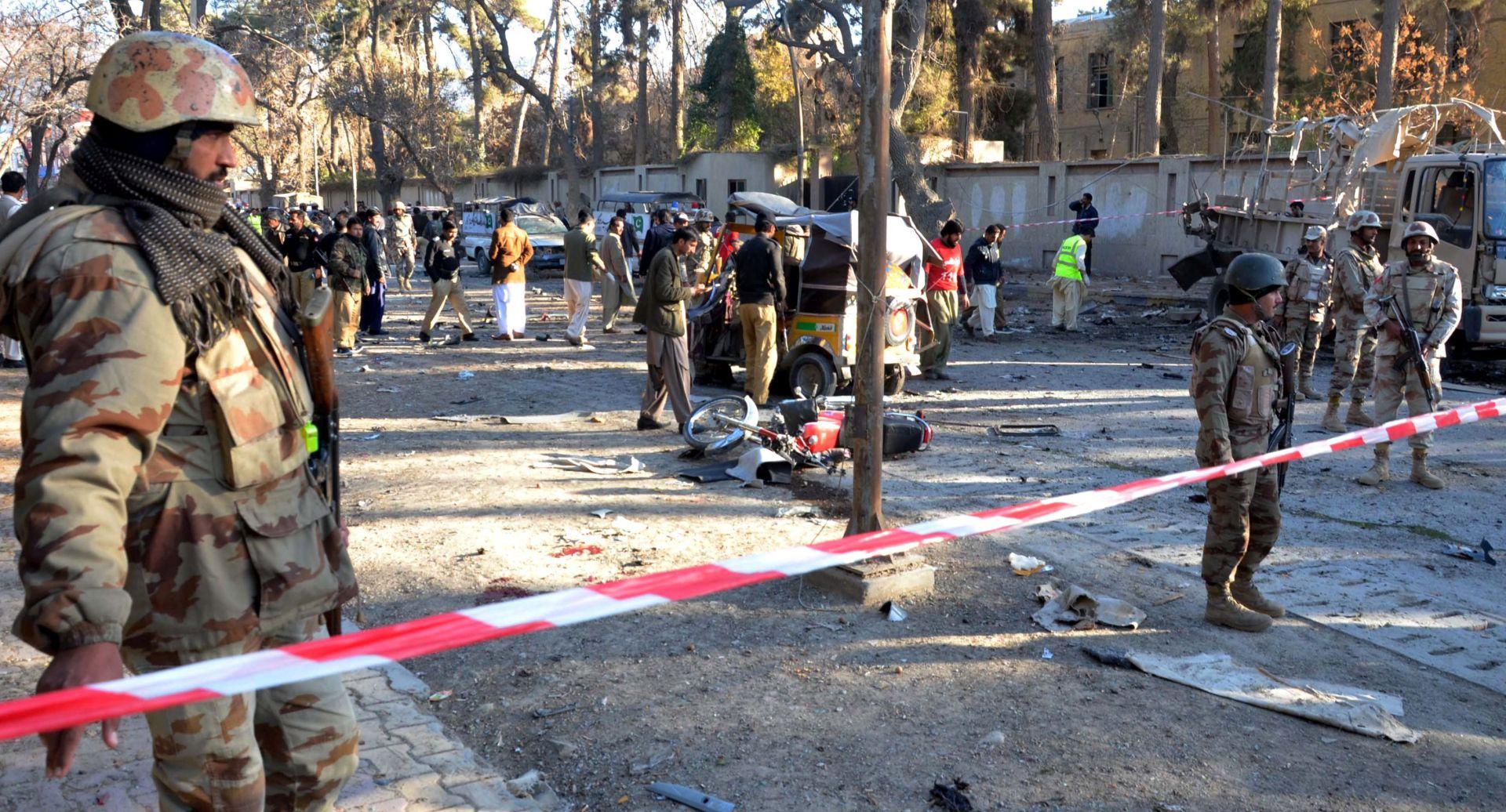 BOMBAŠ SAMOUBOJICA: Na pakistanskom sudu najmanje osam ubijenih, 27 ozlijeđeno