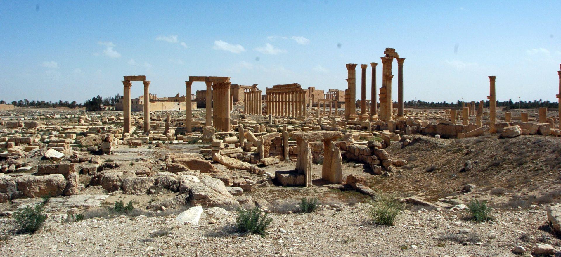 Sirijski režim steže obruč oko Alepa ali gubi u Palmiri