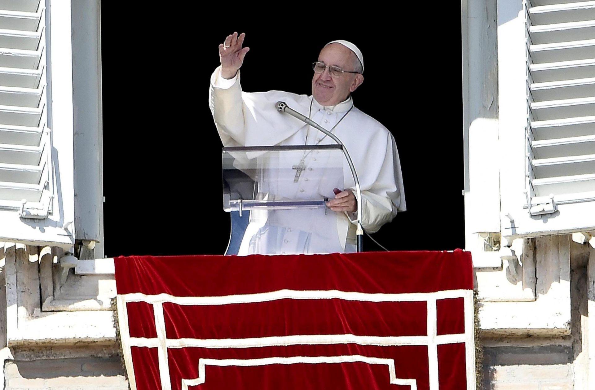 ZBOG RASPISANIH IZBORA: Papin posjet Srbiji planiran za svibanj odgođen