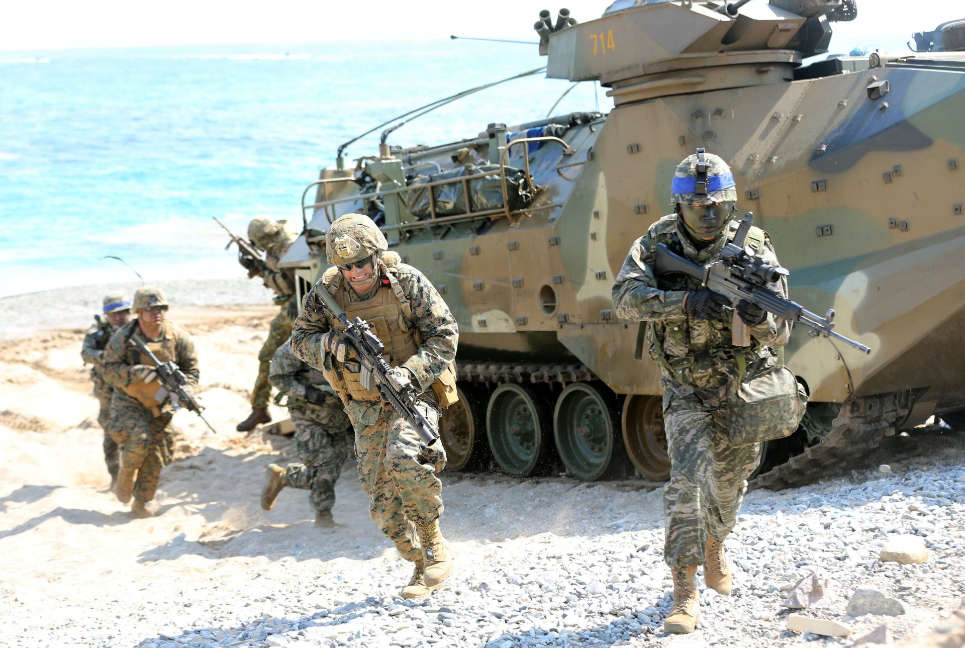 """PROTIV """"RUSKE AGRESIJE"""": SAD raspoređuje oklopne borbene timove u Europi"""