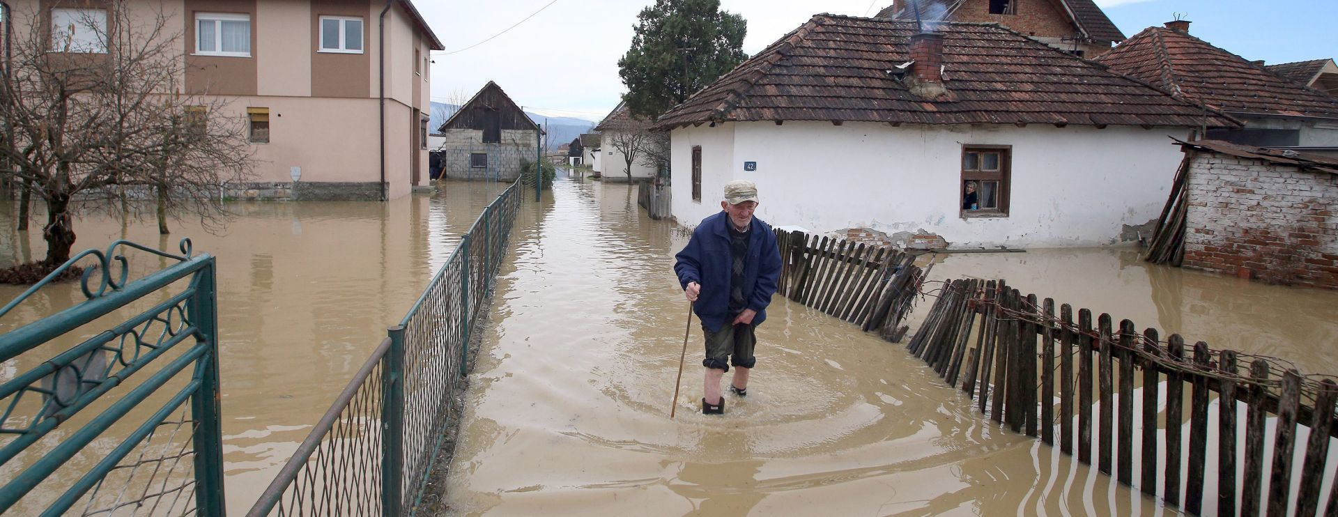 IZVANREDNO STANJE: U Srbiji poplavljene stotine kuća, za saniranje štete 2,2 milijuna eura