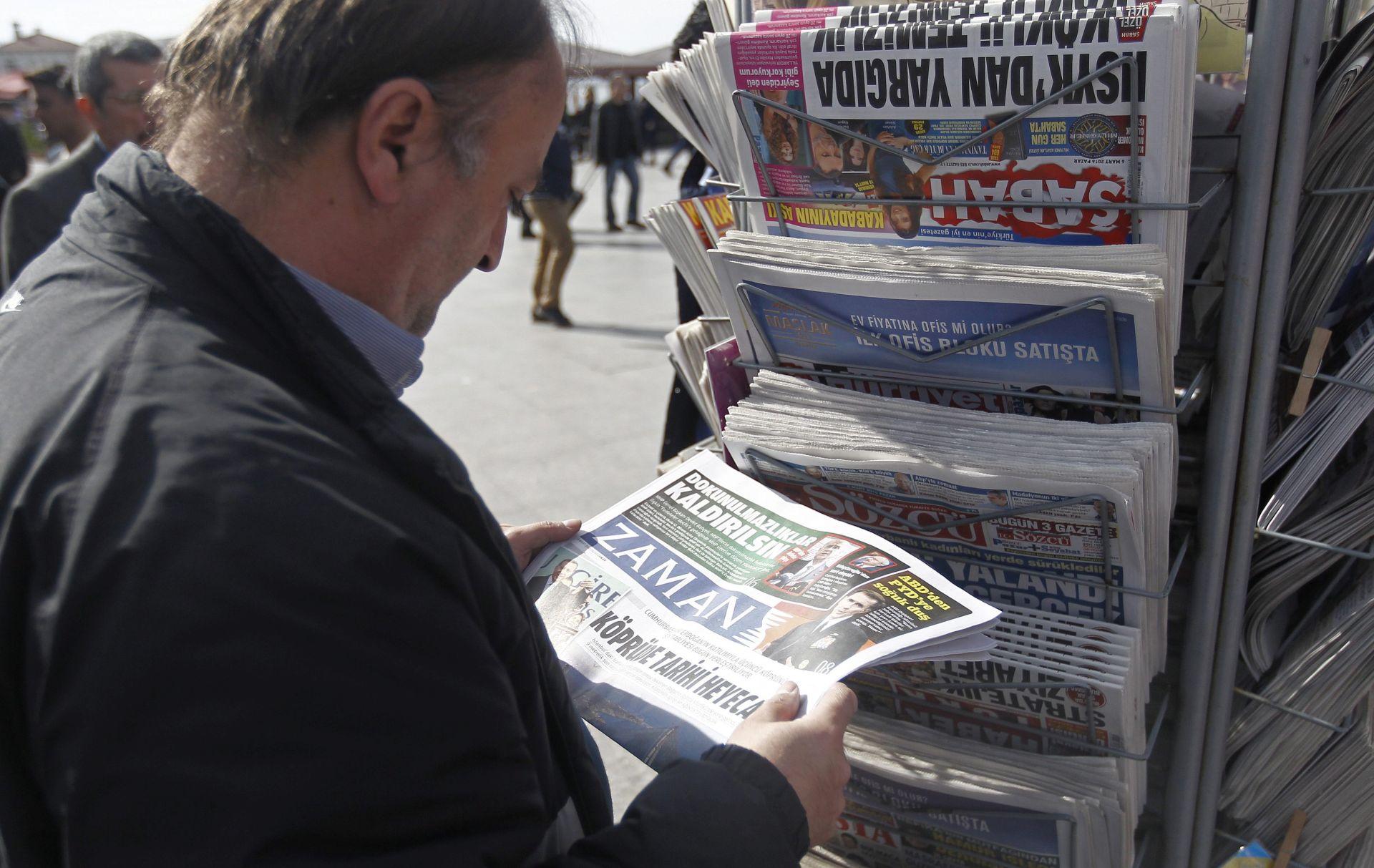 MEDIJSKE SLOBODE U TURSKOJ: Merkel i Hollande zabrinuti nakon što su vlasti preuzele oporbeni dnevni list