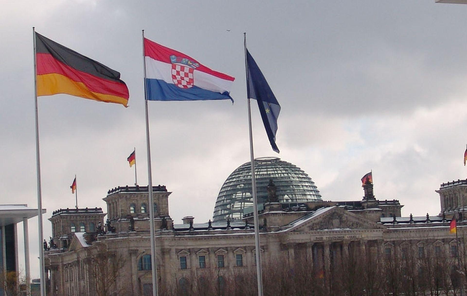STATISTIKA: Prošle godine u Njemačku iselilo 50.628 državljana RH