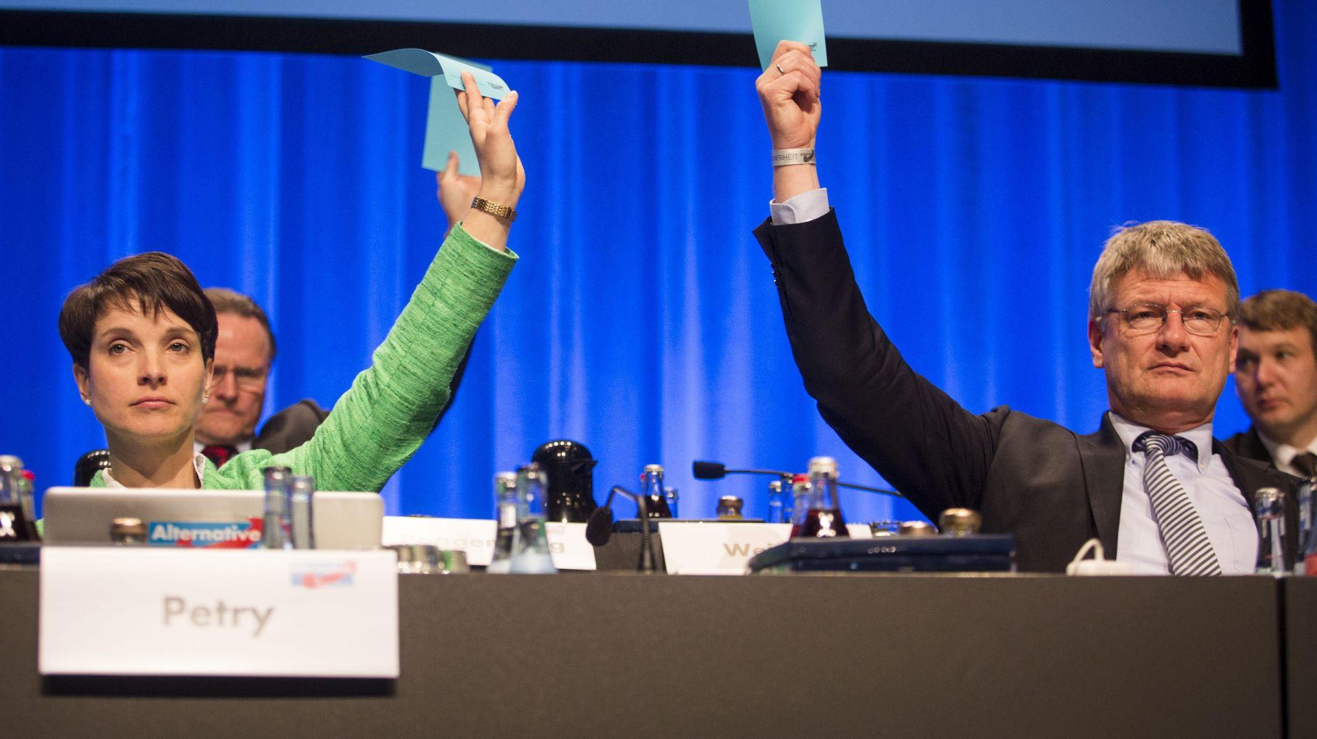 NAPAD NA POLITIKU: Angela Merkel kritizirana na kongresu protumigracijskog AfD-a