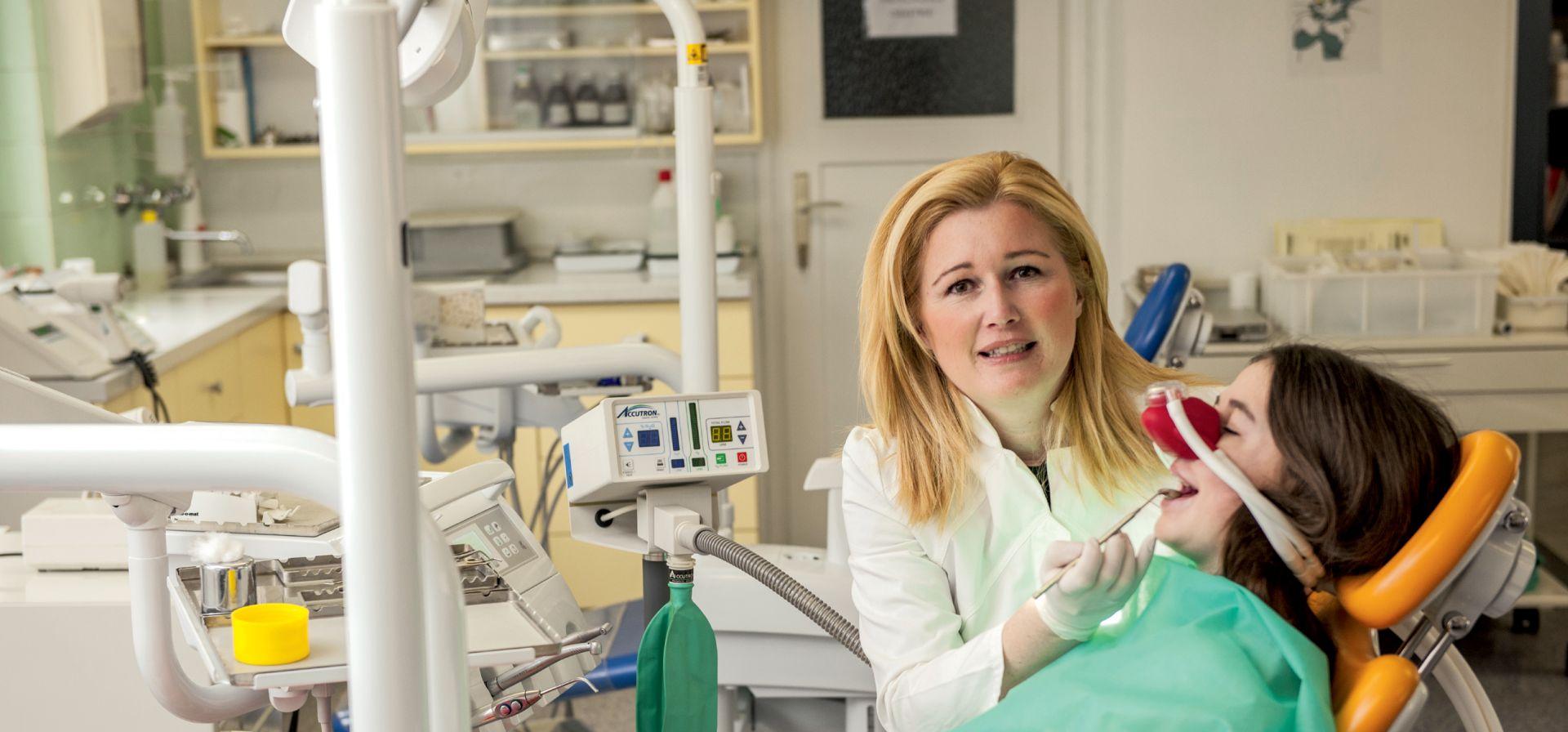 Djeca u Hrvatskoj imaju čak pet karijesa, najviše u EU, pa se vraćaju dječji stomatolozi