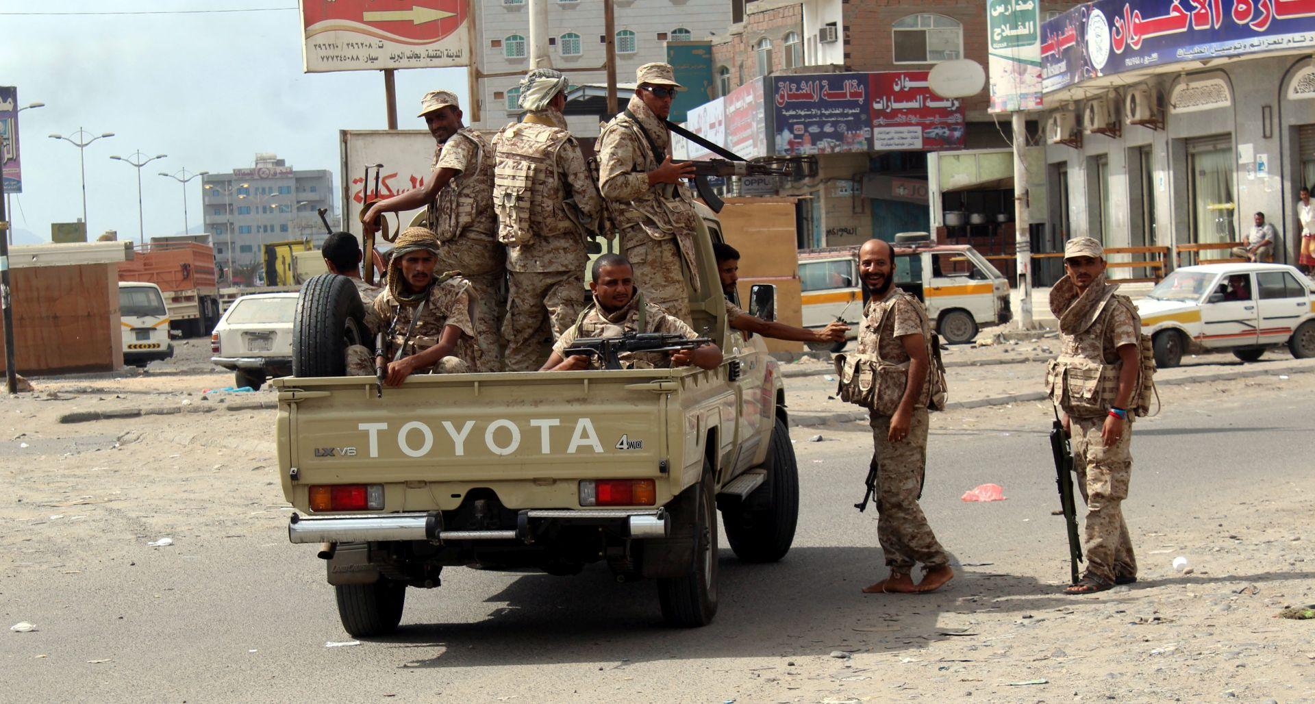 Jemenska policija osujetila dva bombaška napada uoči mirovnih pregovora
