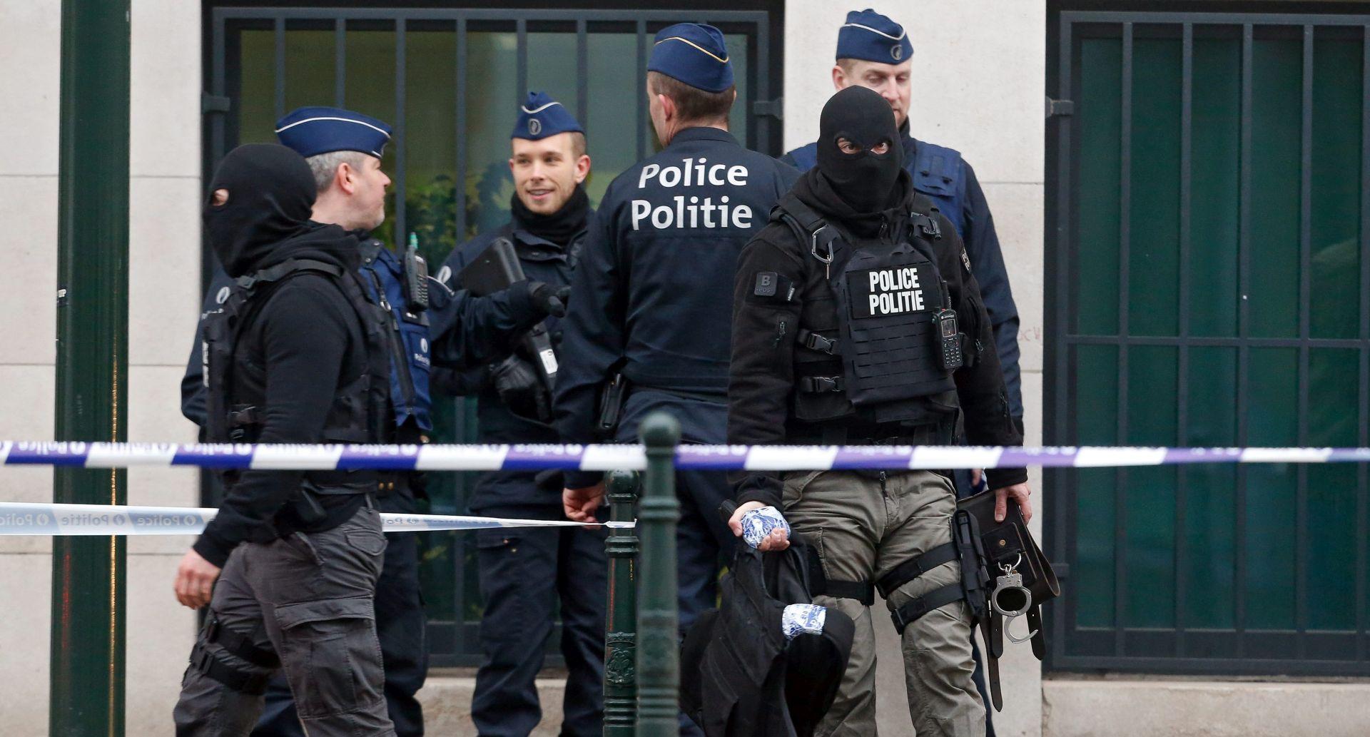 UHIĆEN OSUMNJIČENI ZA PARIŠKE NAPADE Policija vjeruje da je ista osoba 'muškarac sa šeširom' iz Bruxellesa