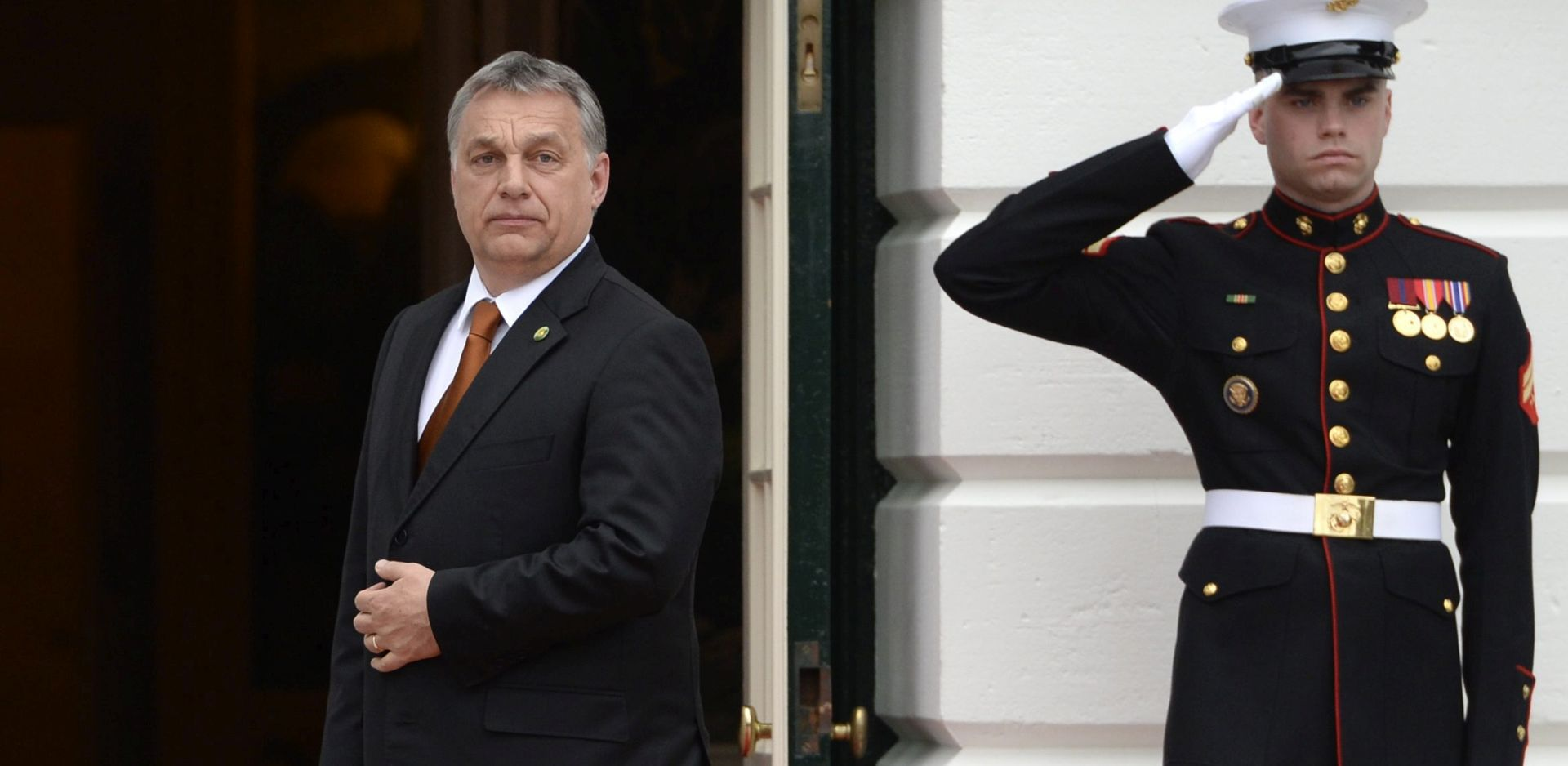 Orban u posjetu Kohlu kao pljuska Merkel