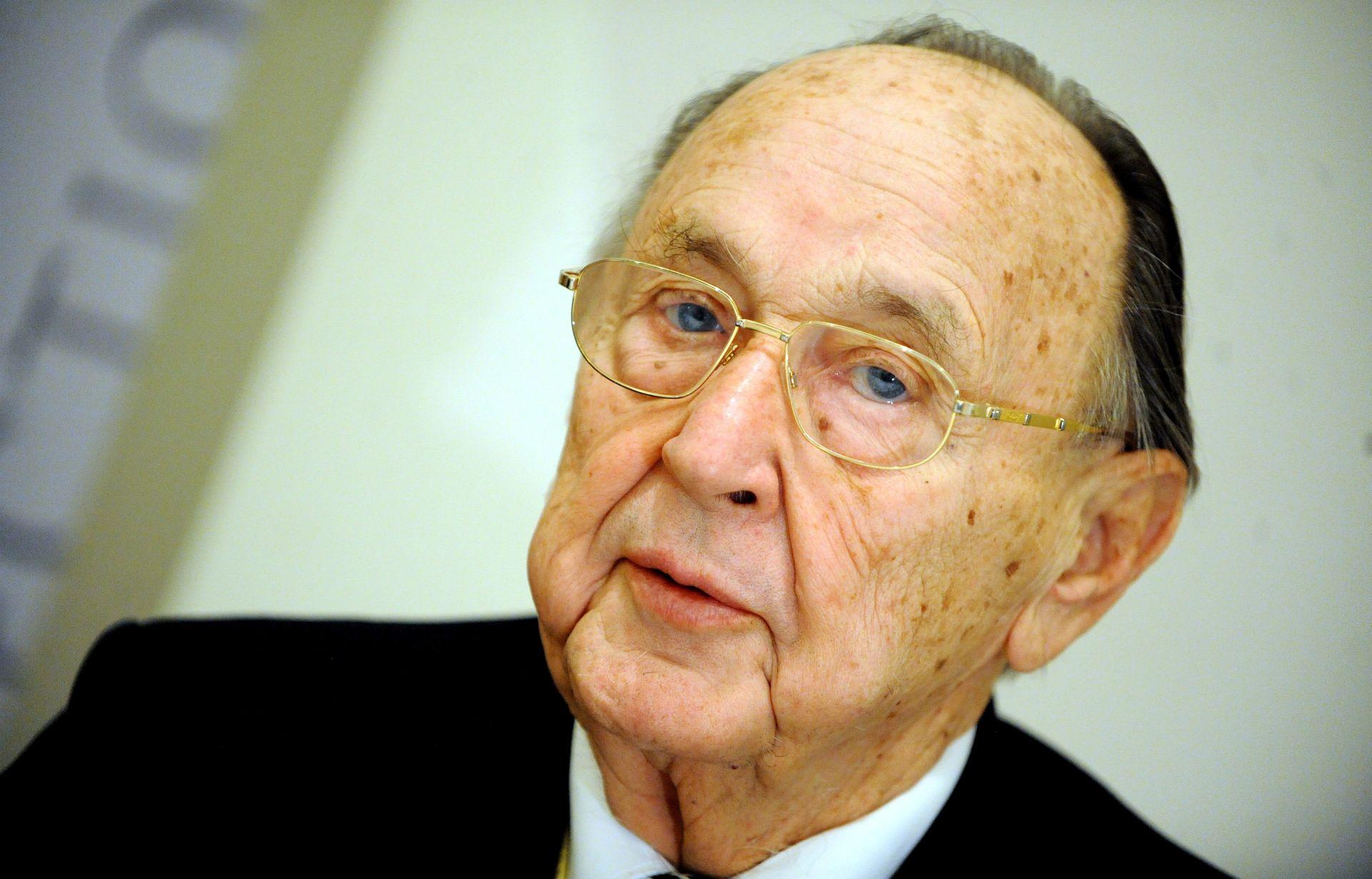 Umro Hans-Dietrich Genscher