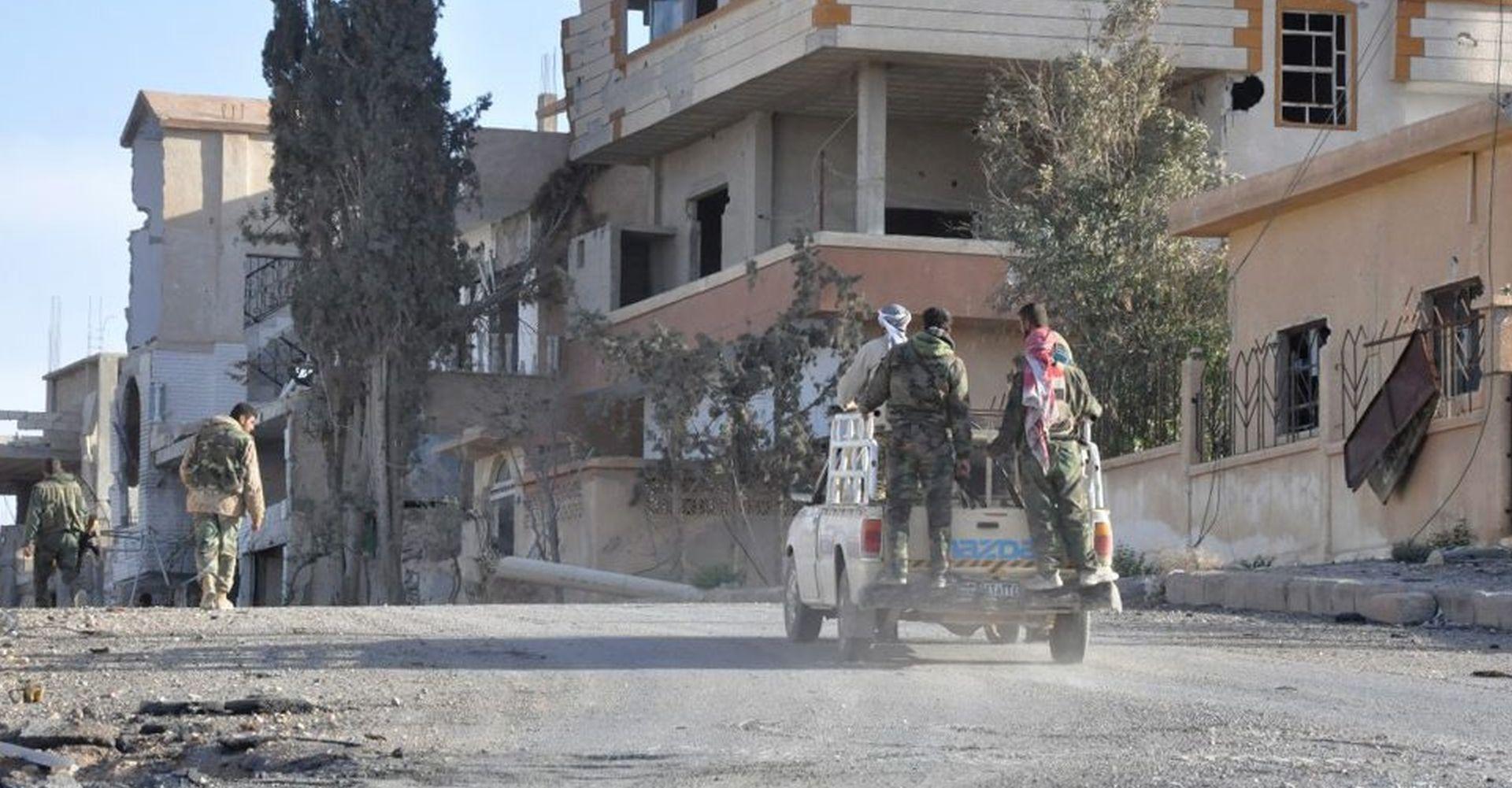 'PROMETNO' U SIRIJI Vojske triju skupina u utrci za oslobađanje teritorija od Islamske države