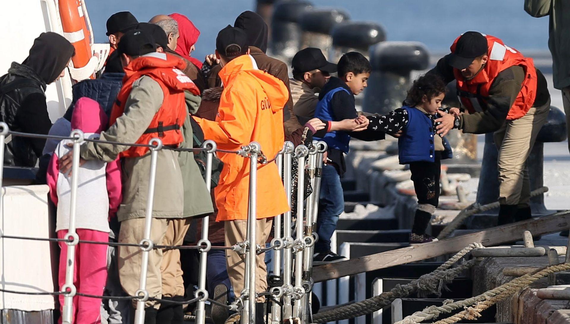 Italija spasila 1850 migranata u Sicilijanskom prolazu