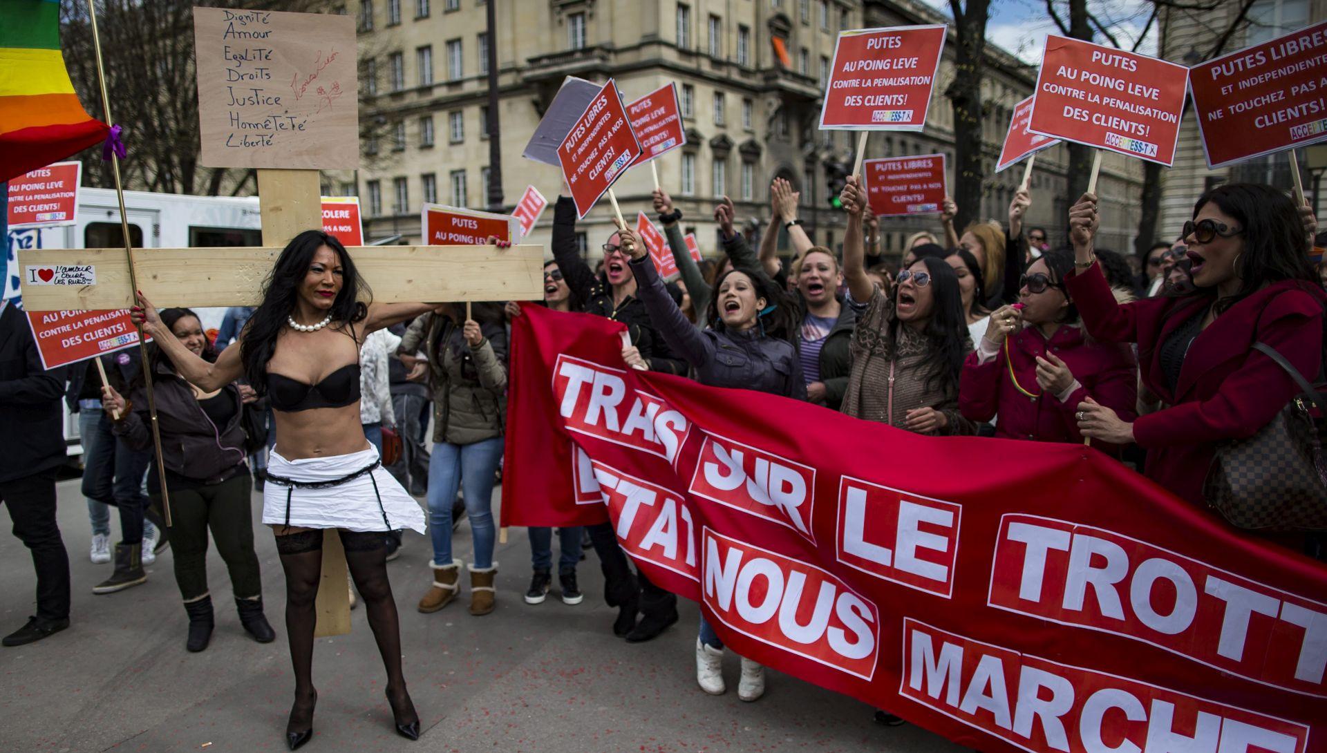 Francuska izglasala novi zakon kojim se zabranjuje plaćanje seksualnih usluga