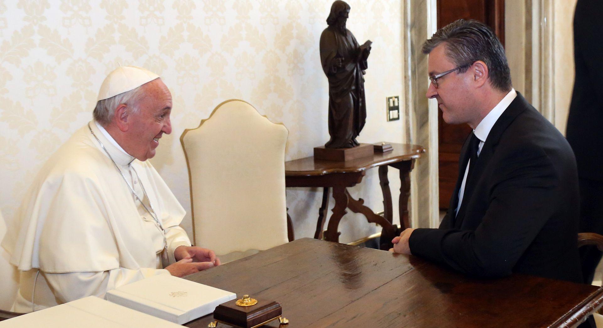 FOTO: VATIKAN Premijer Orešković sastao se s papom Franjom