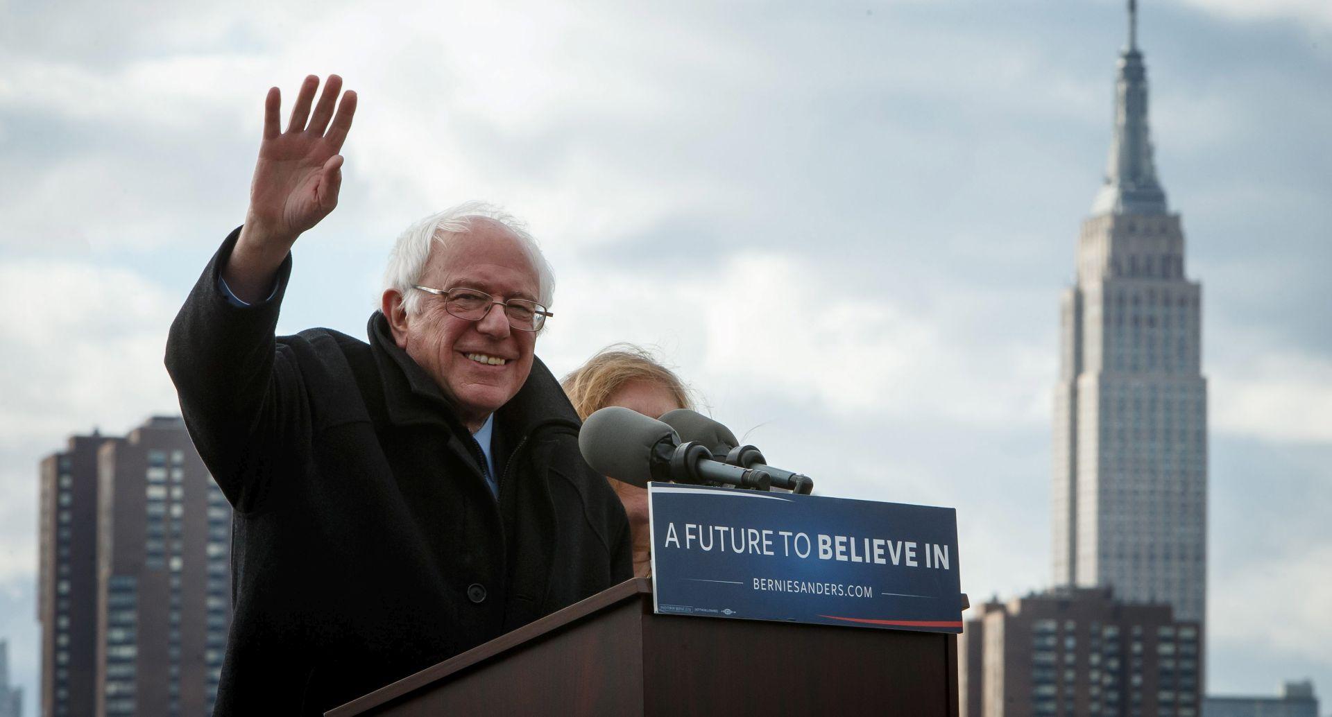 """SUSRET U VATIKANU Bernie Sanders pet minuta 'sastančio' s papom: """"Ovo nije bio politički sastanak"""""""