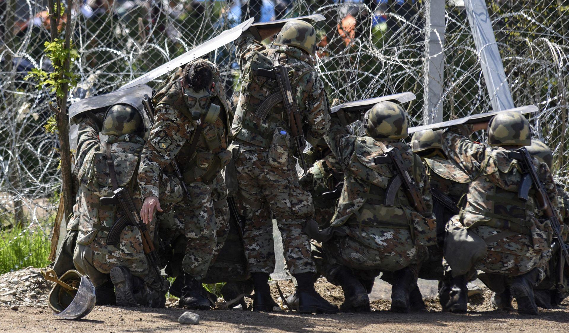 MIGRANTSKA KRIZA: Mirno u Idomeniju, Atena optužuje Skoplje za prekomjerno nasilje