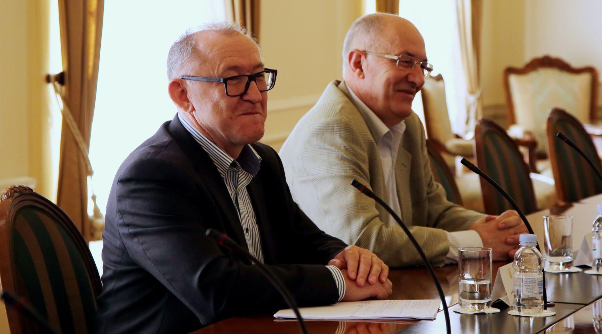 Babić i Topolnjak: Pregovori se ne mogu voditi bez svih ovlaštenih sindikata