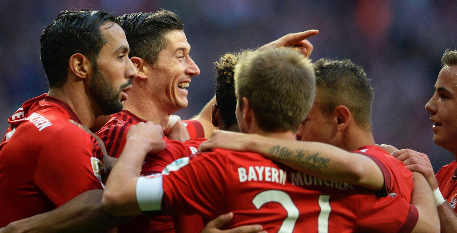BUNDESLIGA Bayern 'riješio' Schalke, Lewandowski dvostruki strijelac