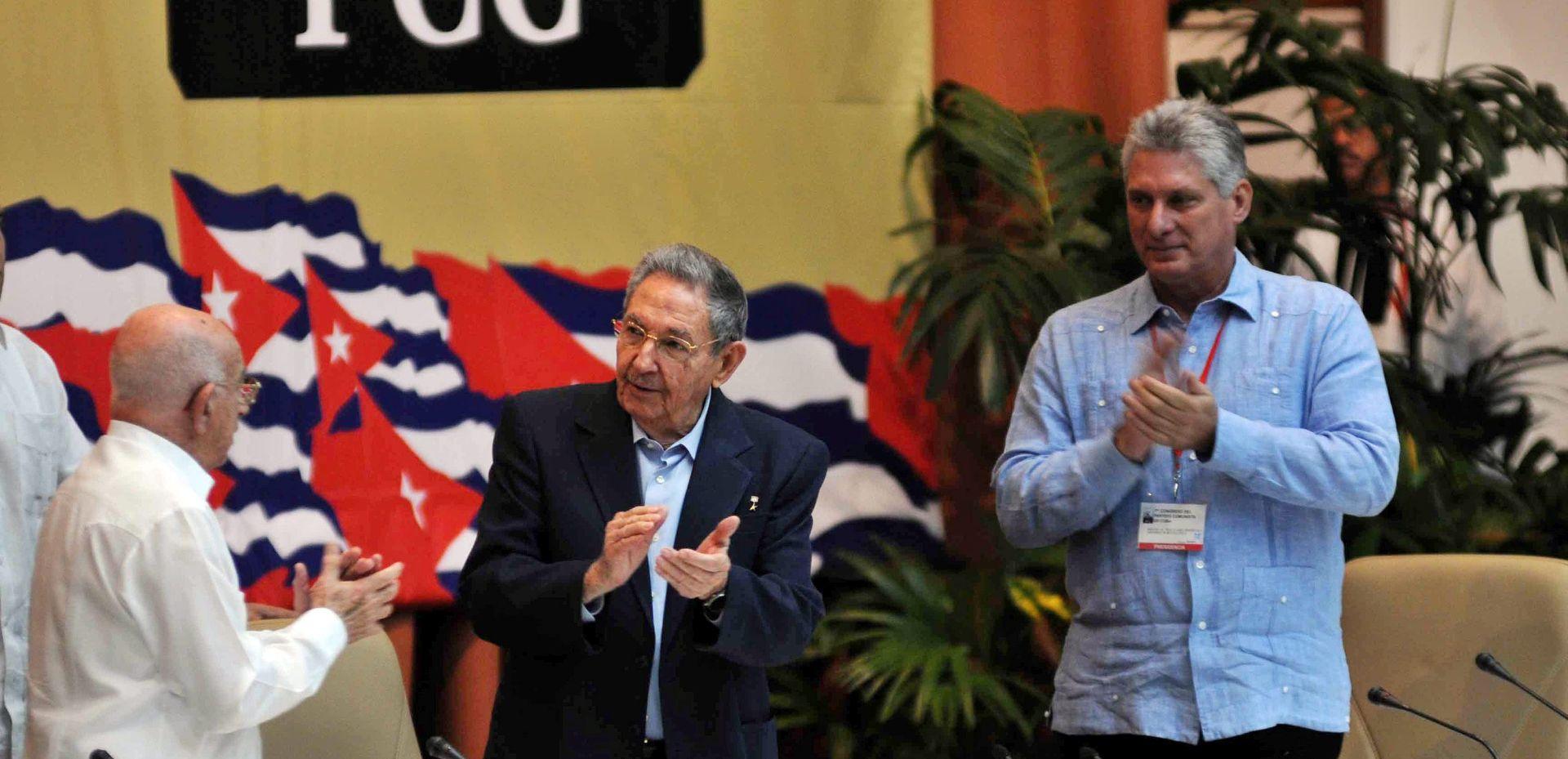 Castro kaže da će država i dalje voditi gospodarstvo u komunističkoj Kubi
