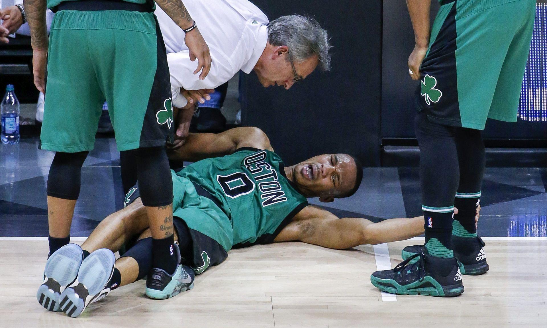NBA: Cavsi i Spursi nadomak prolaska, Celticsi ostali u igri