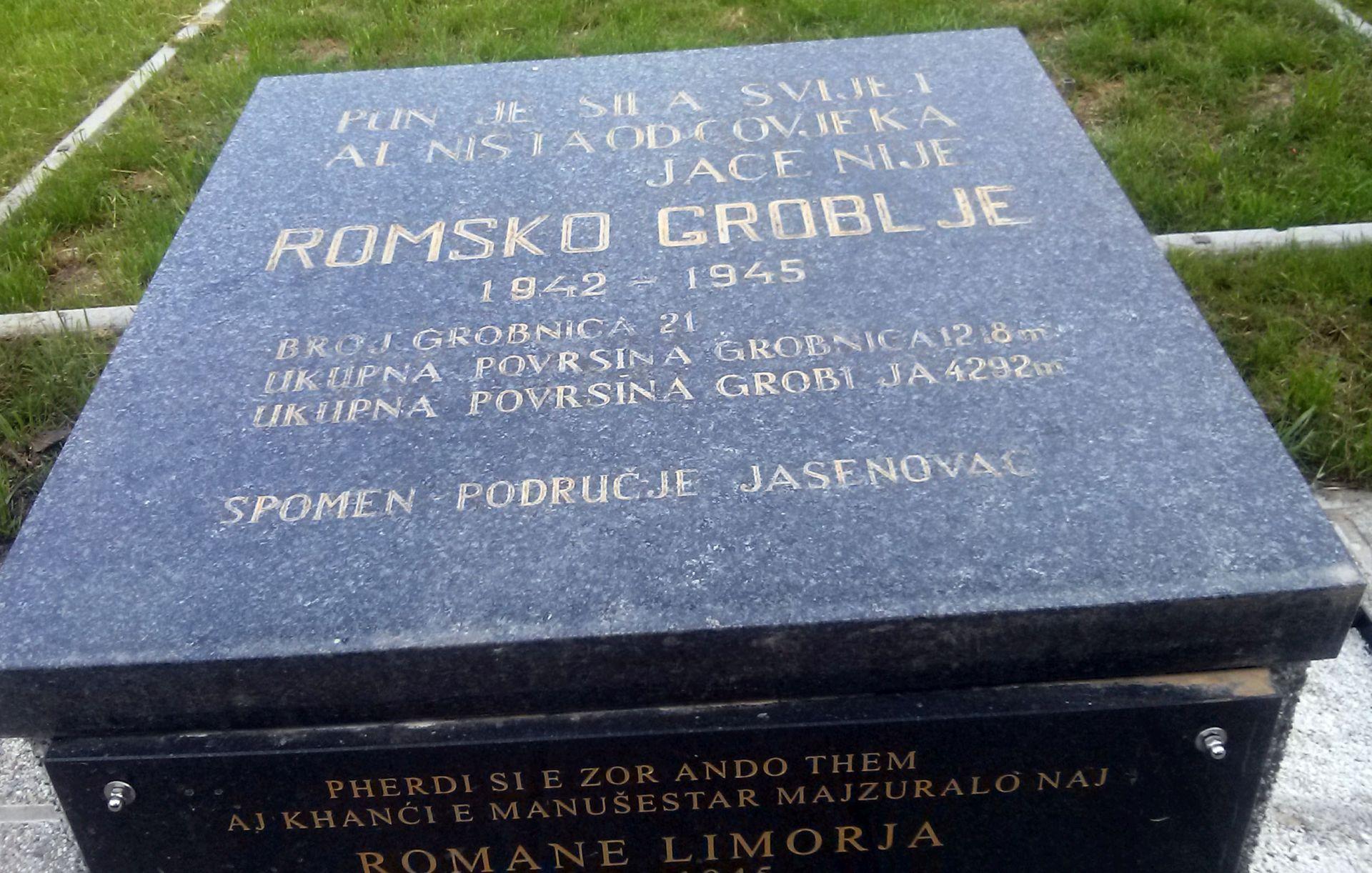 Spomen ploèa na romskom groblju. foto HINA / Marina BUJAN / mm