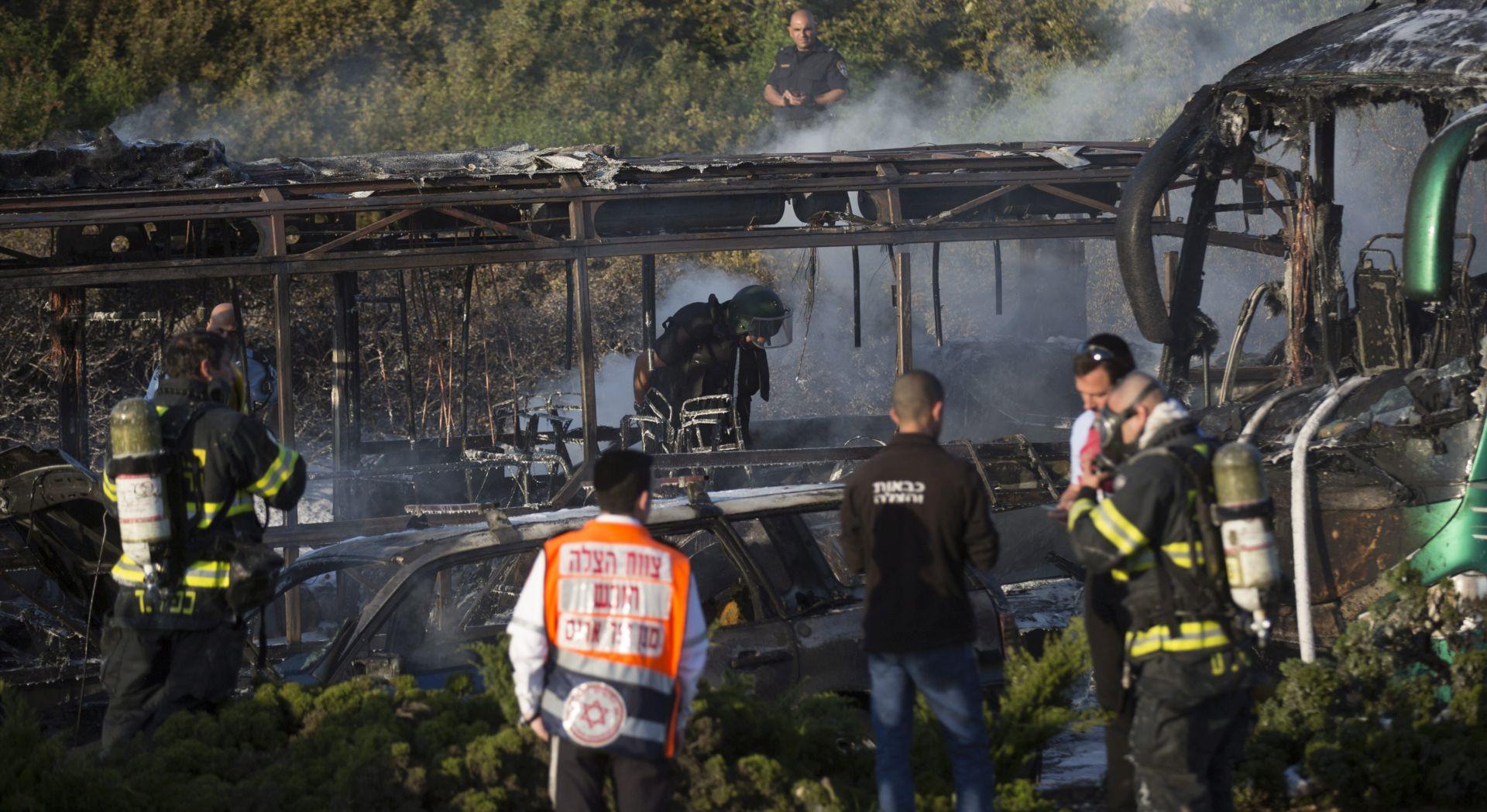 """FOTO: PODMETNUTA BOMBA U AUTOBUS Hamas: """"Ovo je prirodni odgovor na izraelske zločine"""""""