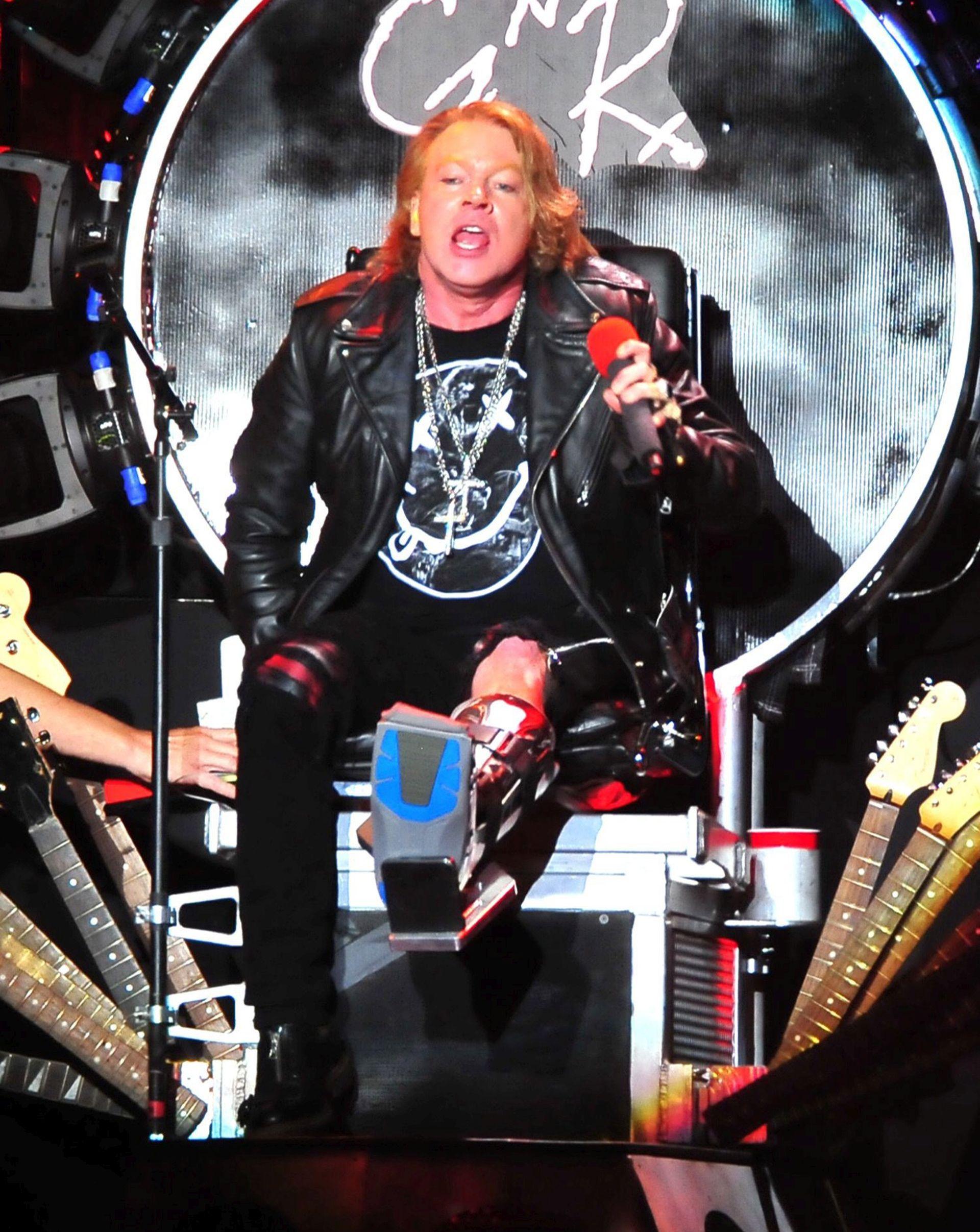 PUNO NEZADOVOLJNIH FANOVA Moguć povratak novca za koncerte AC/DC-a s Axl Roseom