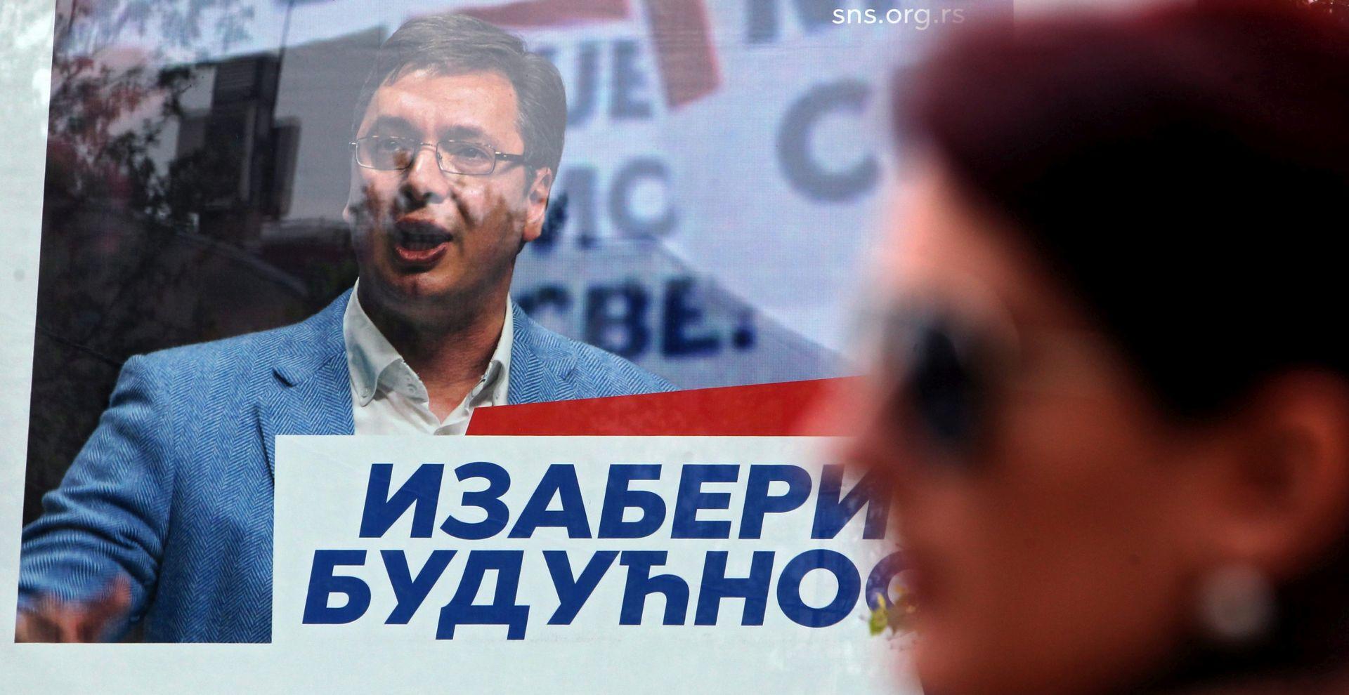 Zatvorena birališta u Srbiji, izašlo više od polovice birača