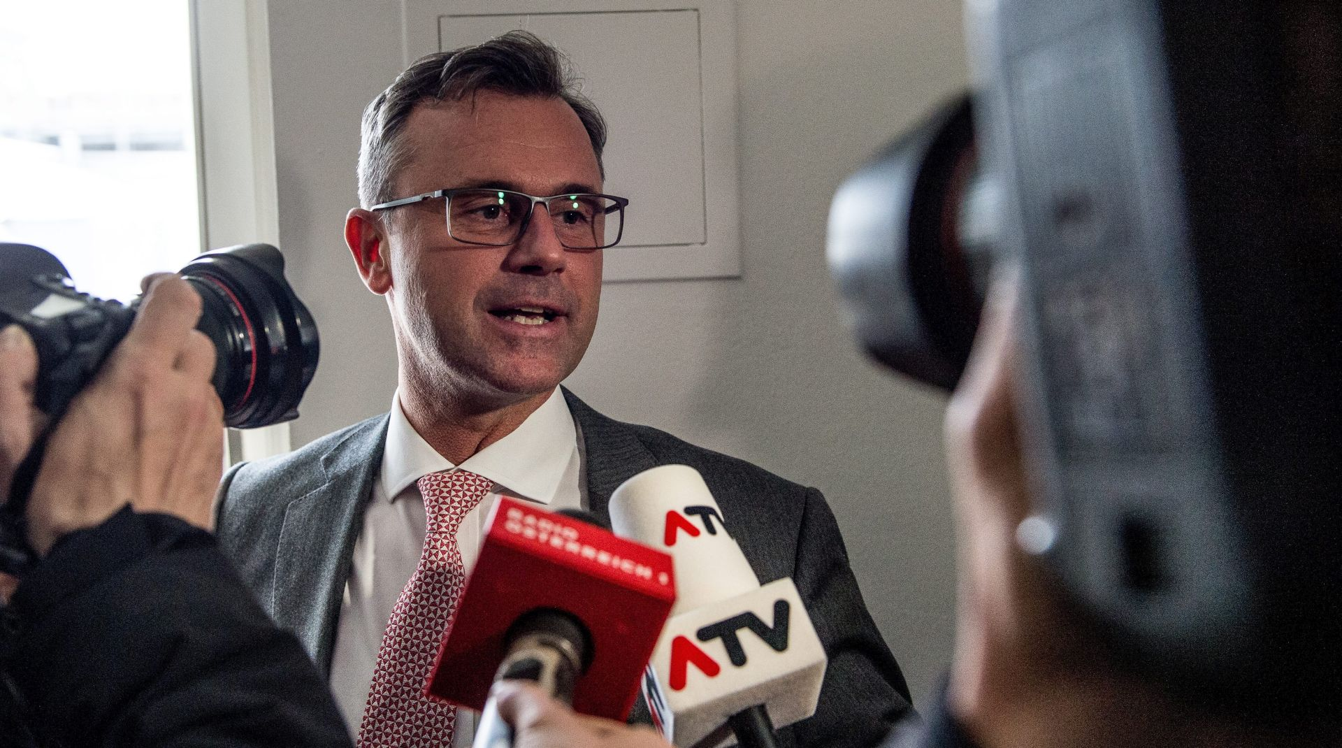 Austrijanci glasali protiv sustava: U drugom krugu krajnja desnica i zeleni