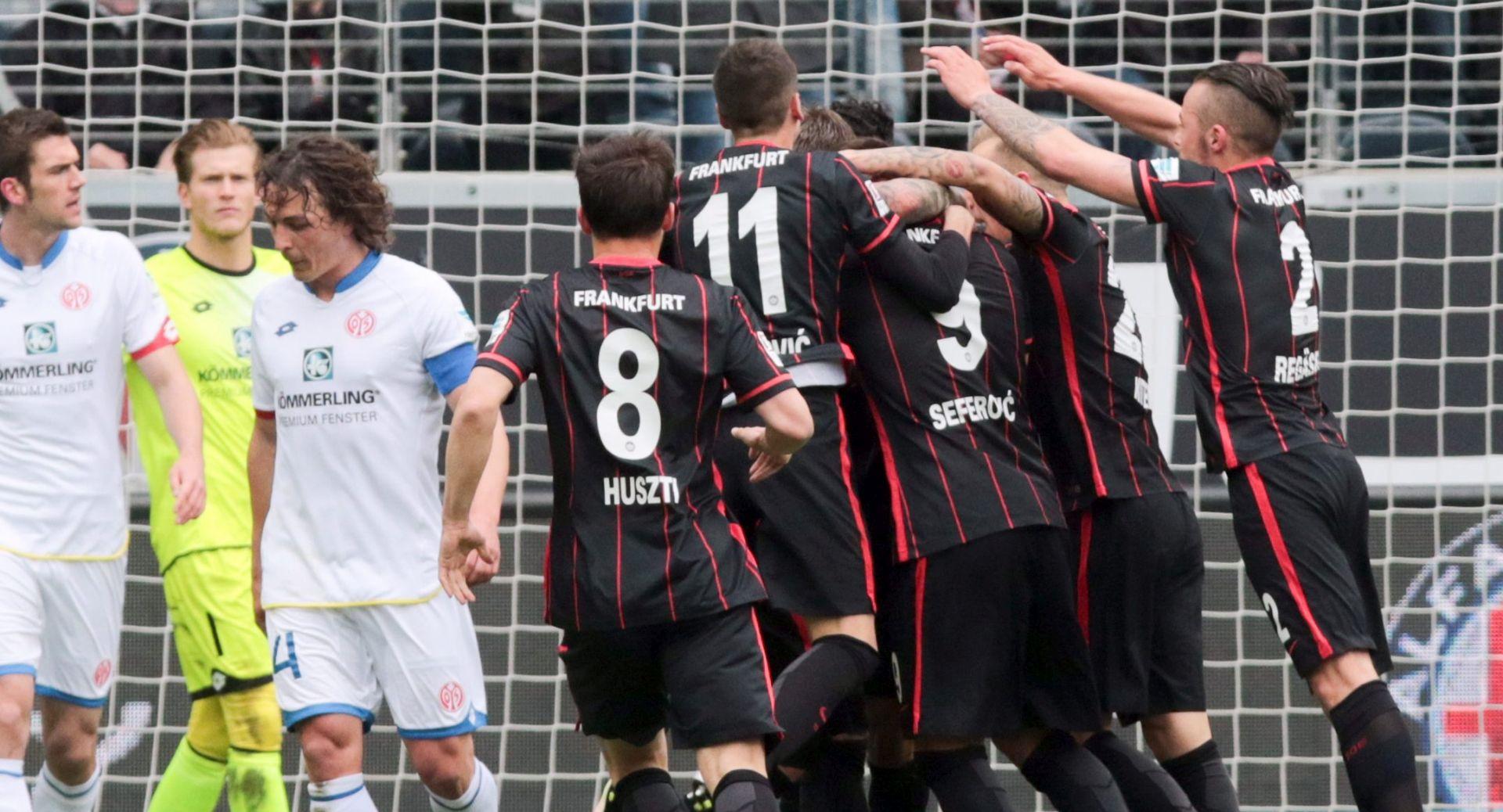 BUNDESLIGA Frankfurt Nike Kovača slavio protiv Mainza