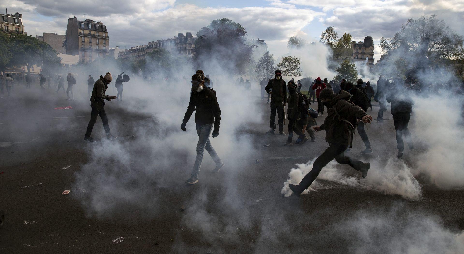 PROSVJEDI U FRANCUSKOJ Više od 100 uhićenih, ozlijeđena 24 policajca