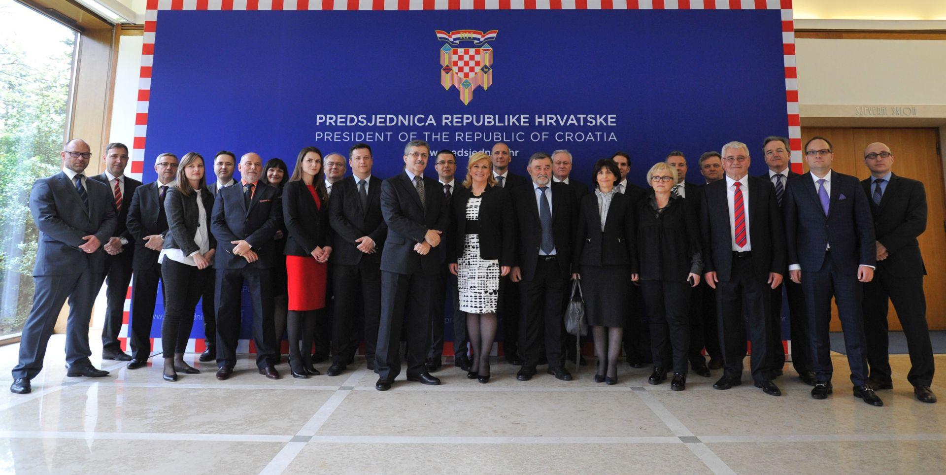 """Predsjednica Grabar-Kitarović održala sastanak sa članovima Kluba izvoznika """"Lider"""""""