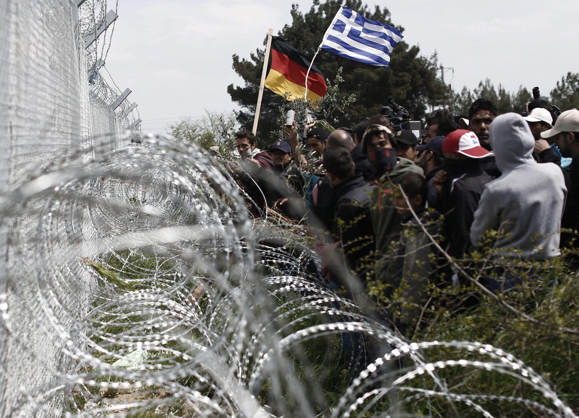 NAKON INCIDENTA: Stotine izbjeglica odlaze iz Idomenija u prihvatne centre