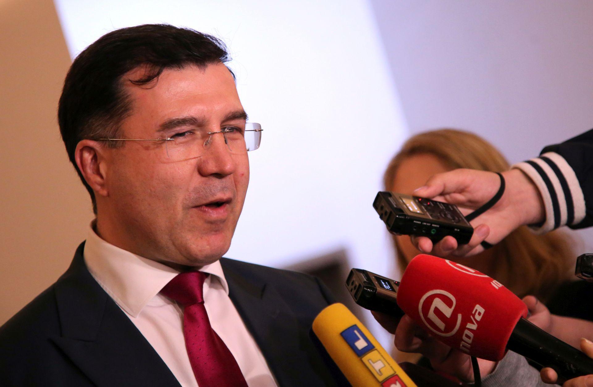 'Između hrvatske države i naroda, i ponora stoji samo HDZ'