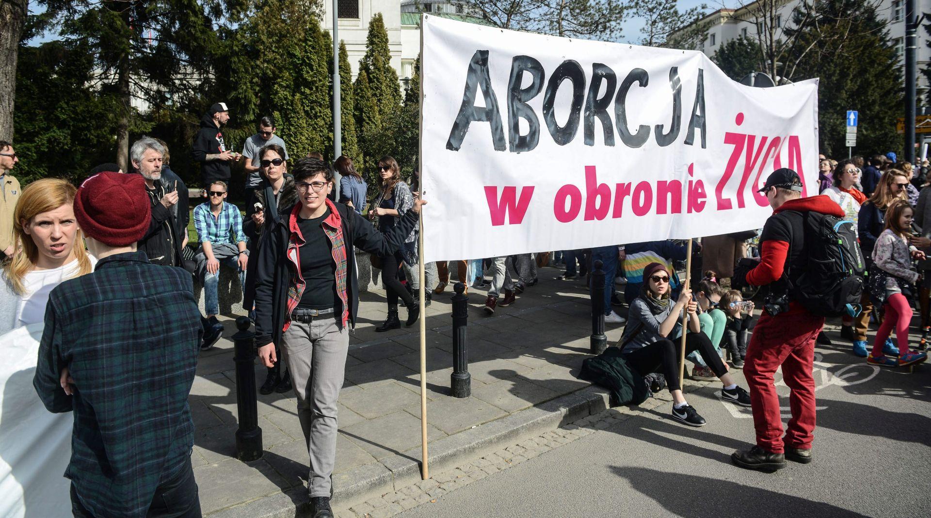 PROSVJED: Poljaci protiv prijedloga da se zabrani pobačaj