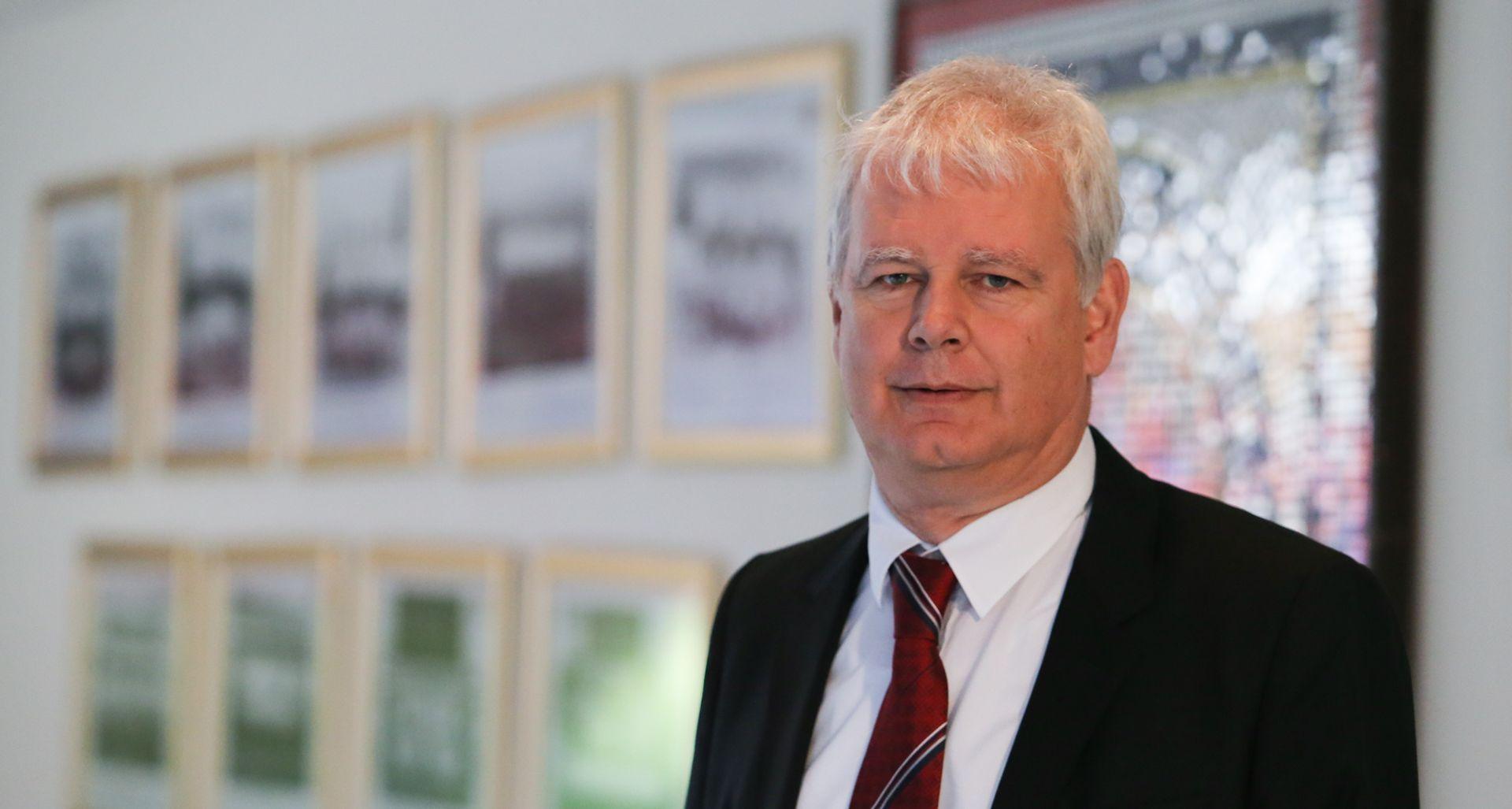 POTRESI NA POLJUDU Marin Brbić više nije predsjednik Hajduka, neopozivu ostavku dao Ljubo Pavasović Viskovi