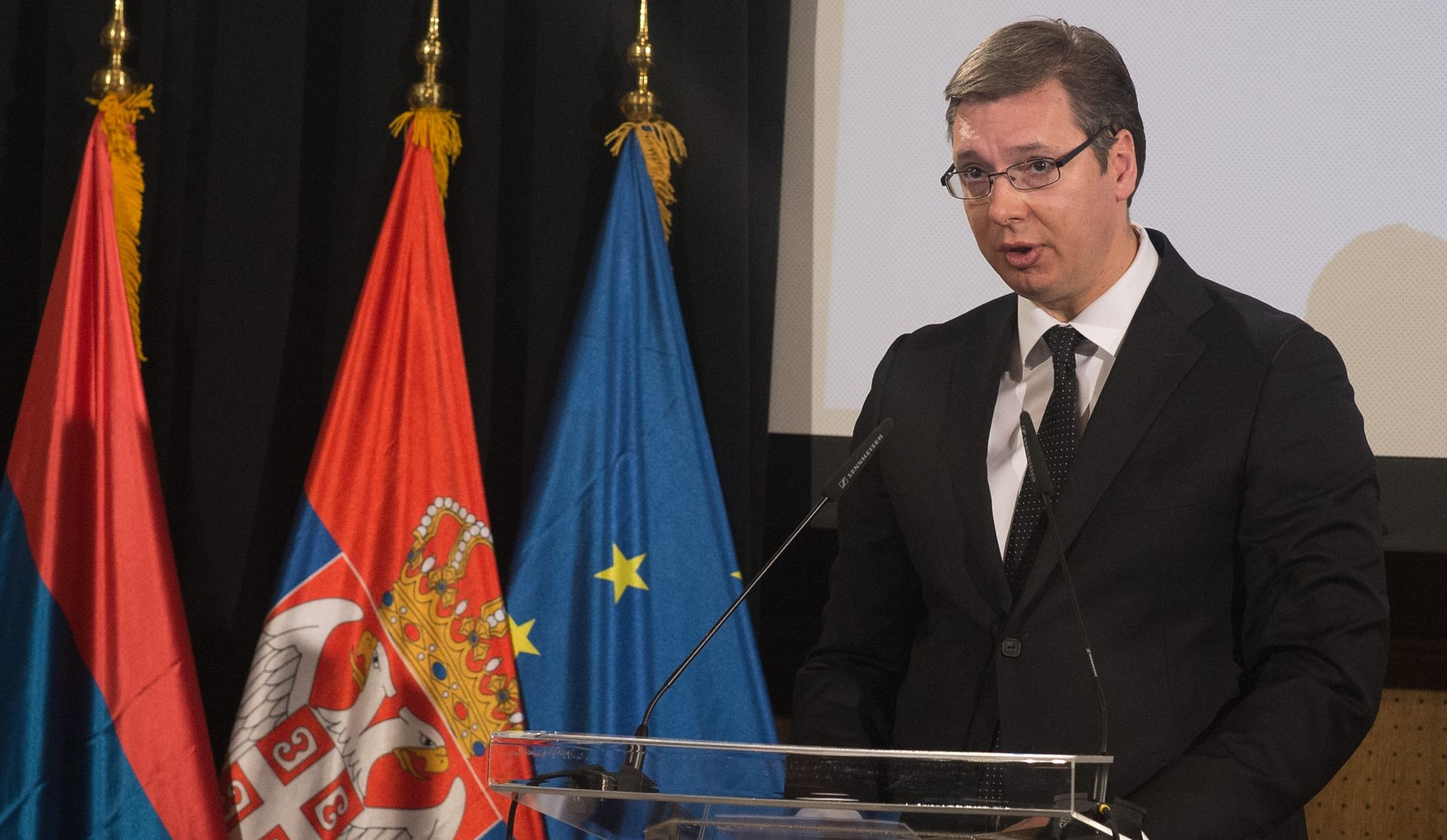 Vučić od Hrvatske očekuje još spoticanja na europskom putu