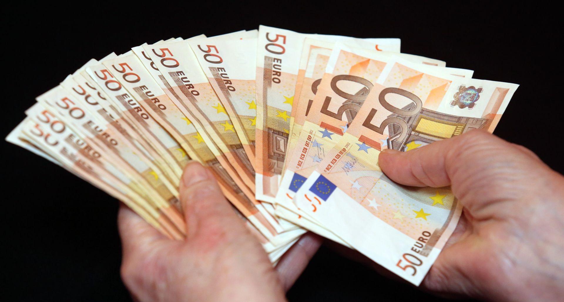 Udruga Franaka najavila skupnu tužbu protiv banaka i za dužnike kredita u eurima