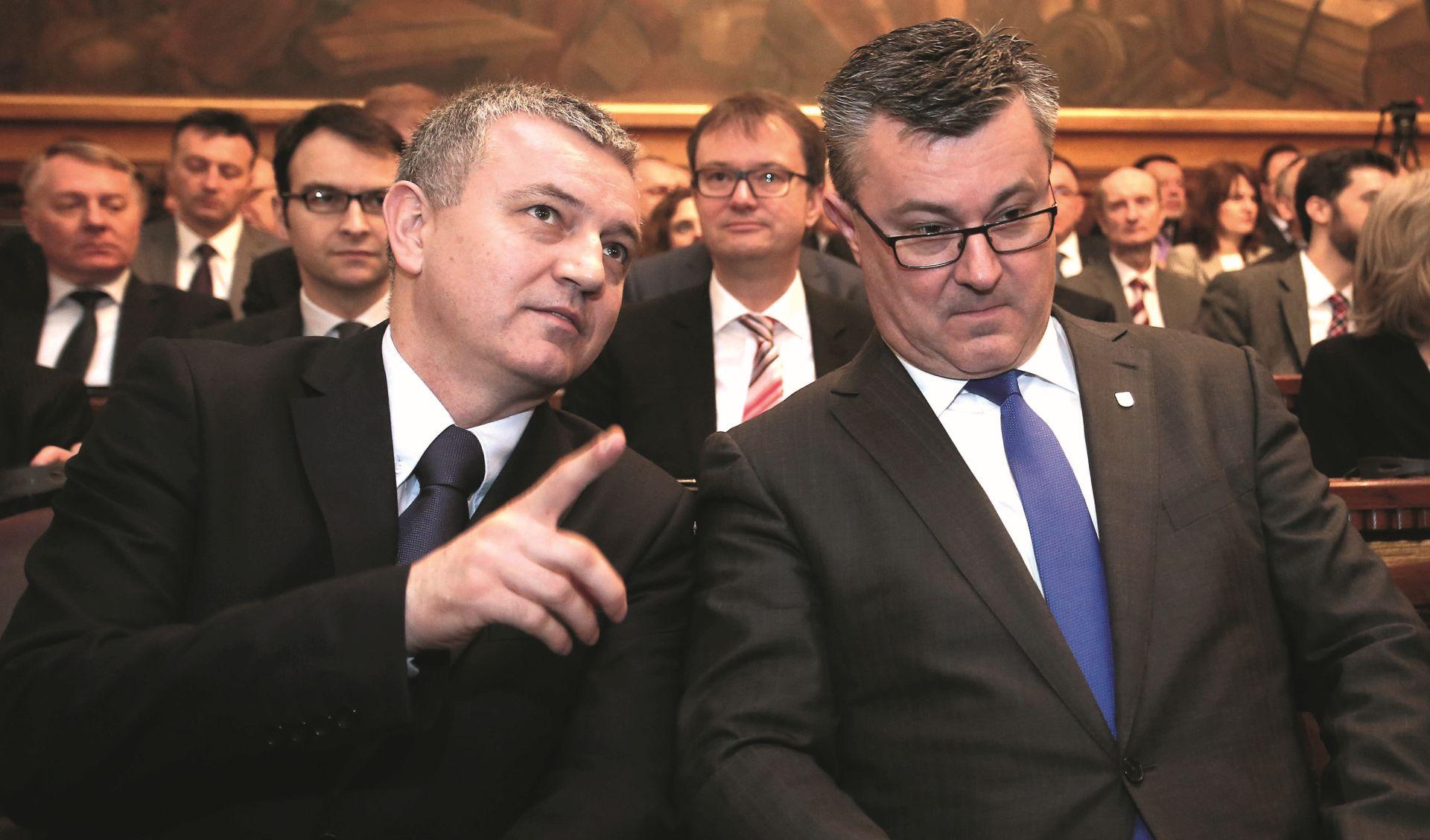ZAŠTO HORVATU ZAMJERAJU što kao ministar u Vladi potkopava nastavak arbitražnog spora