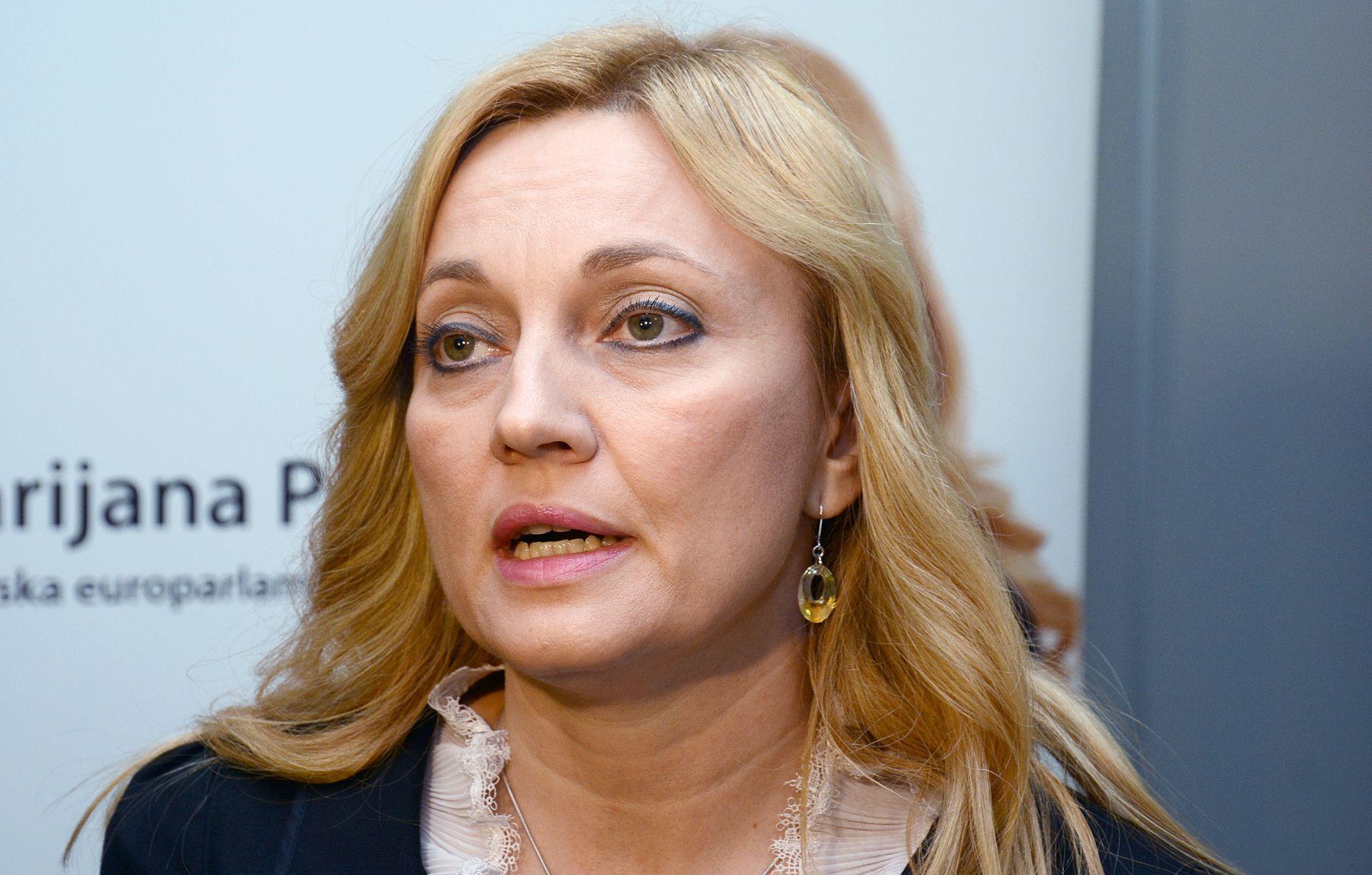 """Petir traži od Oreškovića da obavijesti branitelje koji su na """"crnoj listi"""" Srbije"""