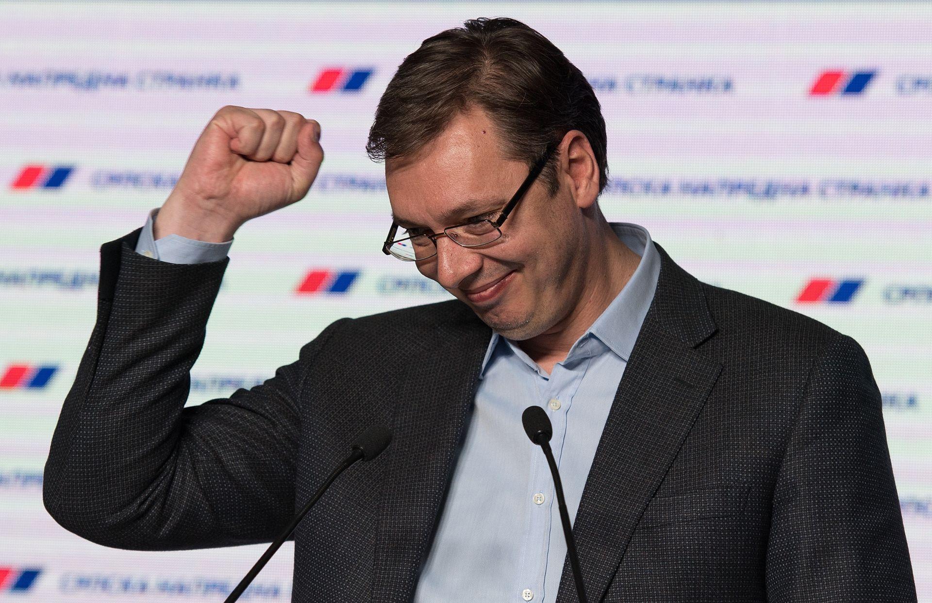 Poslijeizborna konfuzija u Srbiji, uzajamne optužbe vlasti i oporbe za krađu glasova